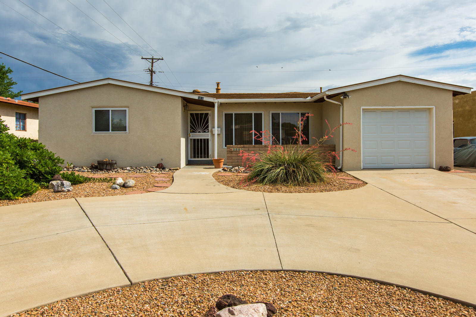 We are proud to present a new NE Heights Listing for sale.  Great Location, and nicely updated.  Newer HVAC with refrigerated air, 2014 new metal roof with warranty, newer windows, and flooring,.  Bathroom remodel just completed.  3 Bedrooms plus a 2 living areas, and 330sf Bonus room  not in the square footage.