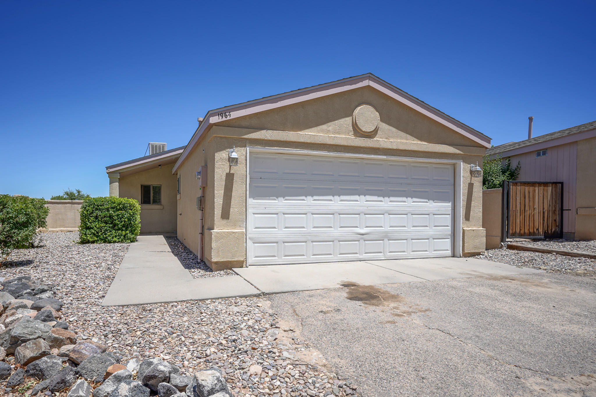 Beautiful North Hills home ready to make your own.  Newer roof, landscaped backyard, updated fixtures, NO POLY and $4000 carpet allowance. Appliances convey AS-IS. Don't miss this opportunity.  Home will sell fast!