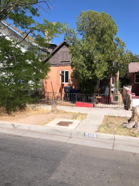 Hard to find downtown neighborhood close to all the amenities! Main home has 2/3 Bedrooms with full bath and attached apartment has 1 BR and 3/4 bath. With some TLC an investor or owner can make this one shine!Currently RENTED!! MUST MAKE APPOINTMENT WITH LISTING BROKER BEFORE SHOWING!! Observe Covid Safety guidelines- wear masks in home.Seller is out of town and will be reviewing offers on July 9th. With some TLC an investor or owner can make this one shine!