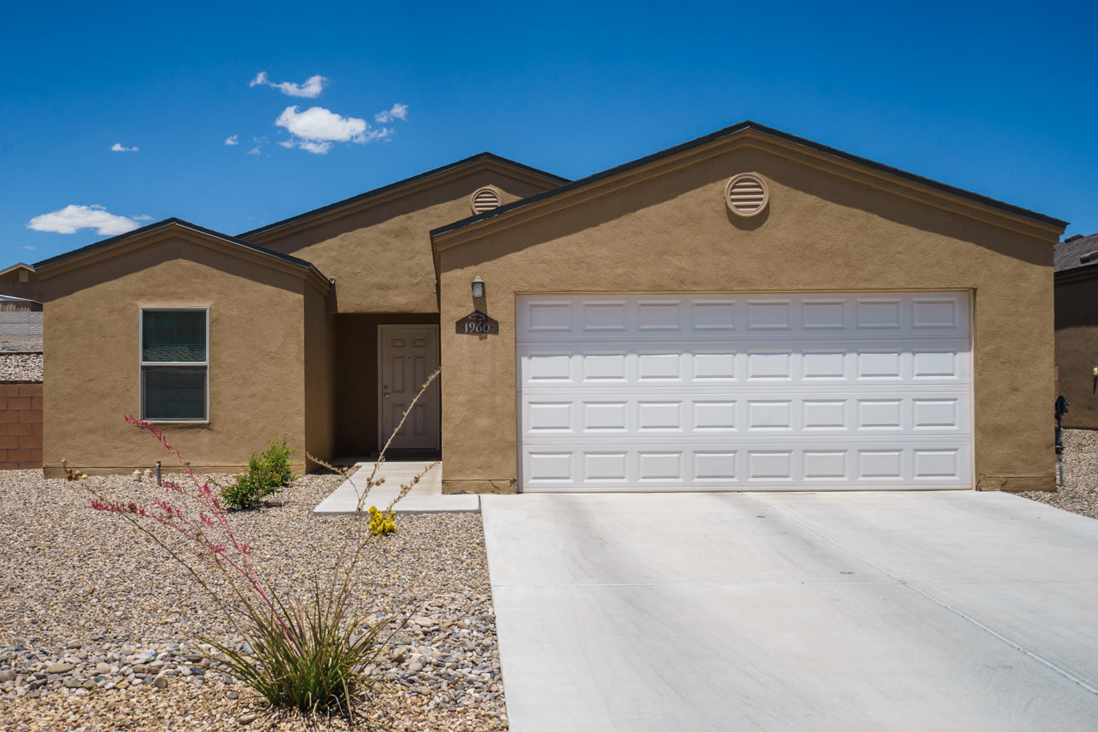 Beautiful home in a great location! 1450 square feet, 3 bedrooms, 2 baths featuring refrigerated air, high ceiling in the living room, and great master suite. Easy access to I-25 and minutes to Albuquerque. Convenient to restaurants, shopping, Walmart, Walgreens, schools & everything you need!