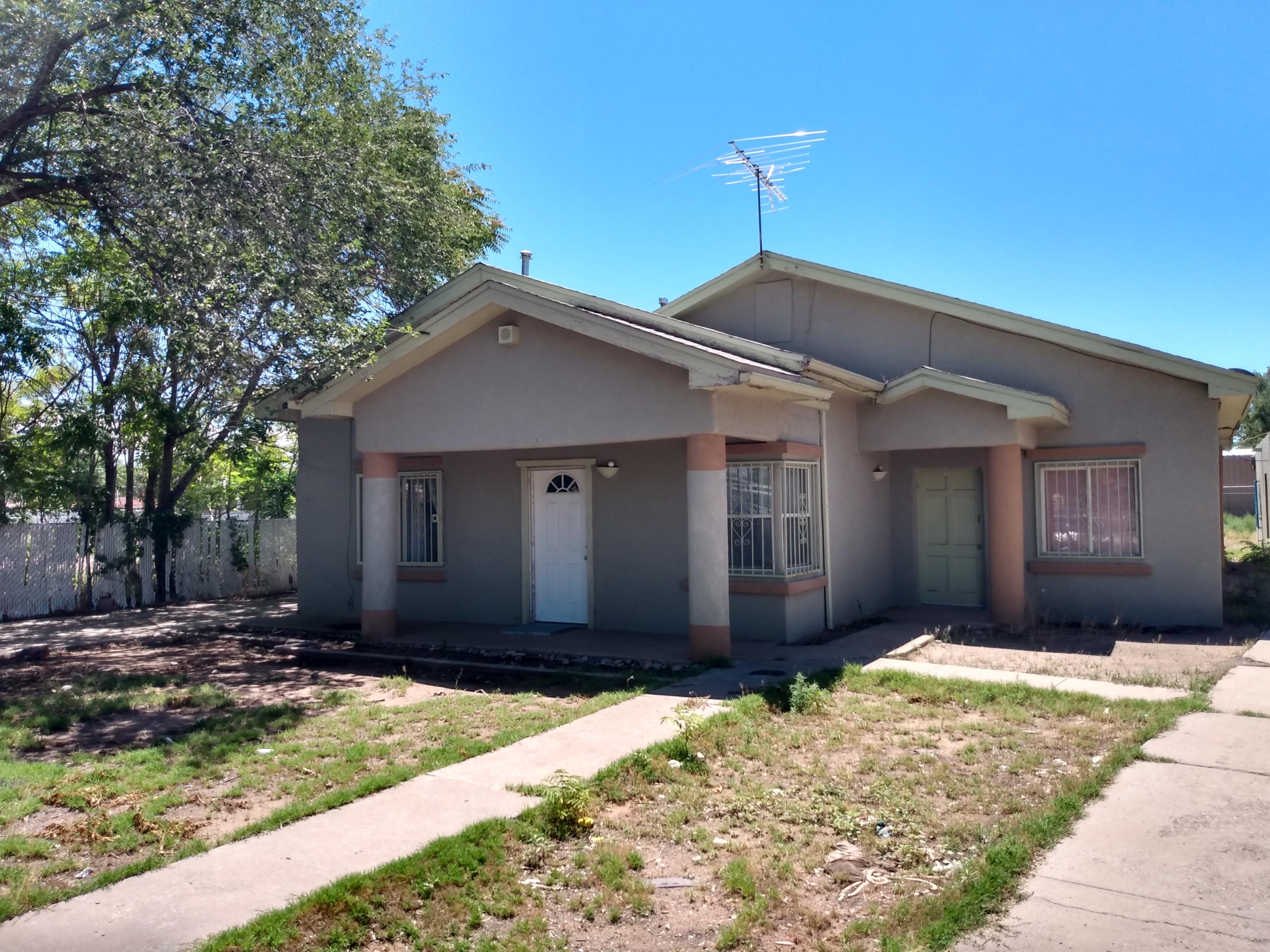 Under Contract Taking Back Up Offers.  Property is sold as is.  Needs TLC.  Short sale price not approved.