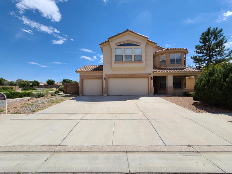 Come take a look a this fantastic home on a corner lot!  HUGE master suite has a fireplace, view deck and nicely done master bath. Your buyer will love all the features such as walk in closets, deck, 2 fireplaces, 3 car garage ~ to name a few.  This is a FABULOUS home and back yard is so spacious!.