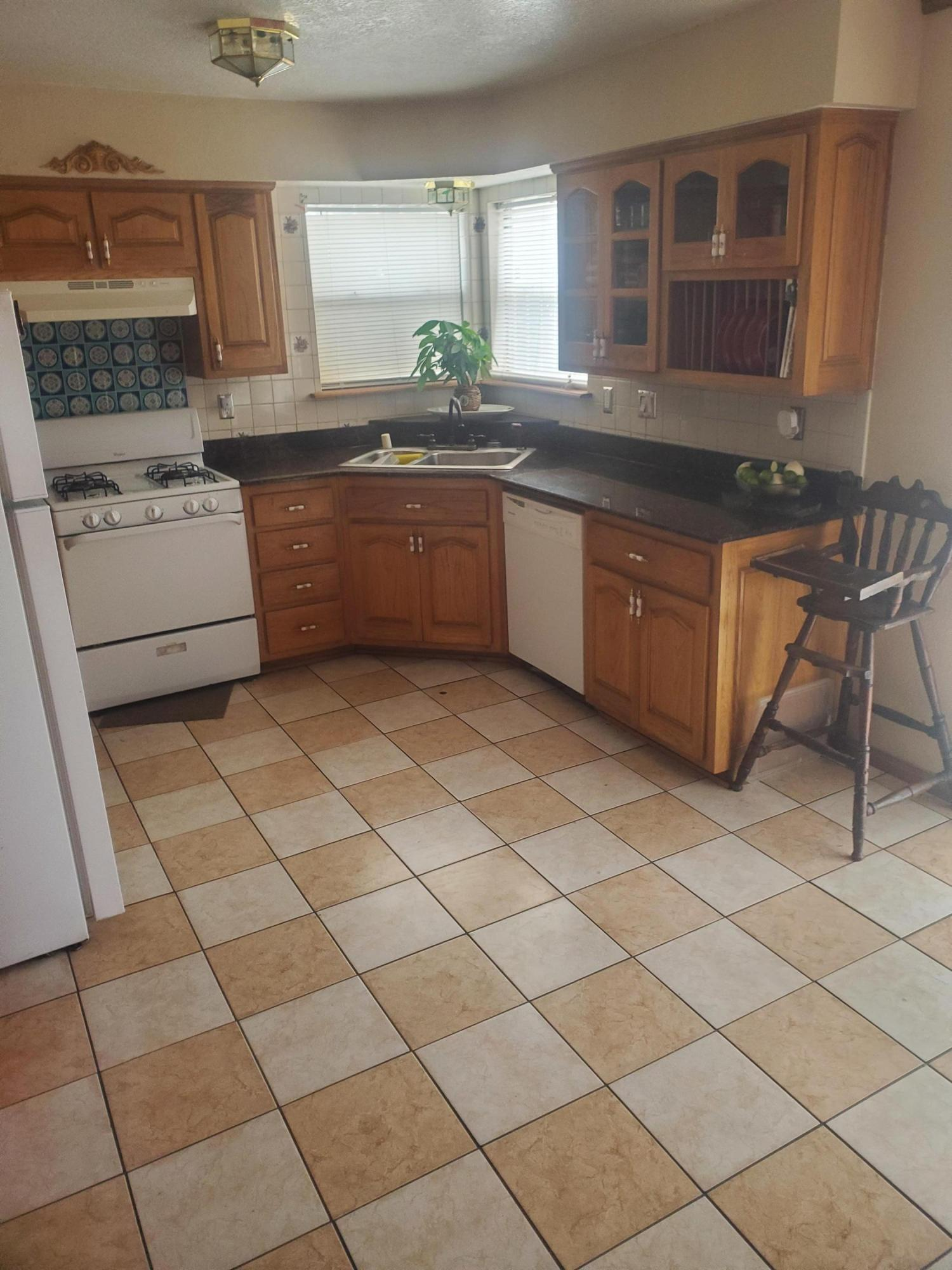 Newer roof ,Newer swamp cooler.Granite countertops,crown molding throughout the house,tile in the wet areas,Backyard access.Give 30 minutes prior to showing.Showing between 1pm and 7pm only
