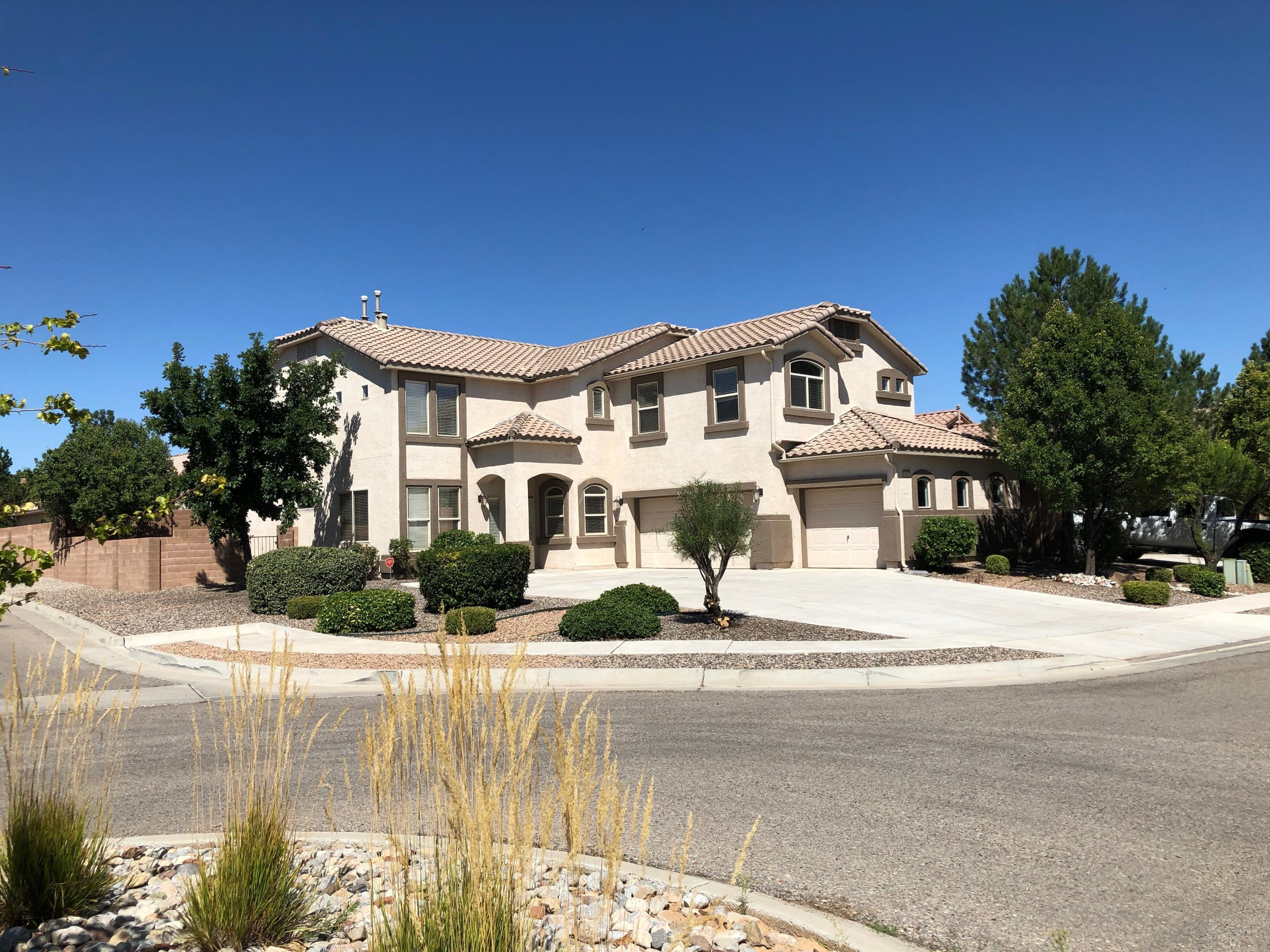 Come take a look at this spacious 5 bedroom 3 bathroom home located on a corner lot. Home has walk in closets, large spacious master bedroom,granite countertops, pergo style floors downstairs and tile in the kitchen. This is a must see.