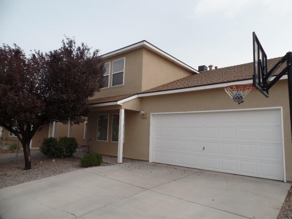 Wonderful home close to park and other amenities everyone will enjoy. Clean and bright 3 bedroom with a bonus room. Beautiful kitchen with area for to enjoy your meals. Spacious rooms for living life comfortably. Master bedroom is downstairs with a large walk in closet.
