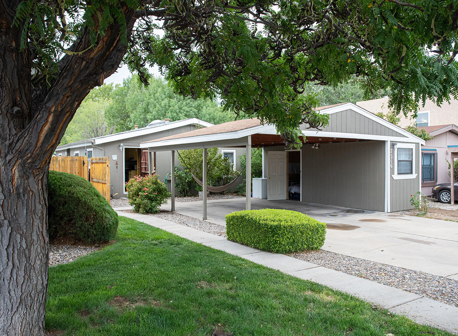 Affordability in the NE Heights! Charming mobile home in a great community and awesome location! Hurry before this one is gone!HOA covers water, landscaping, and common areas!