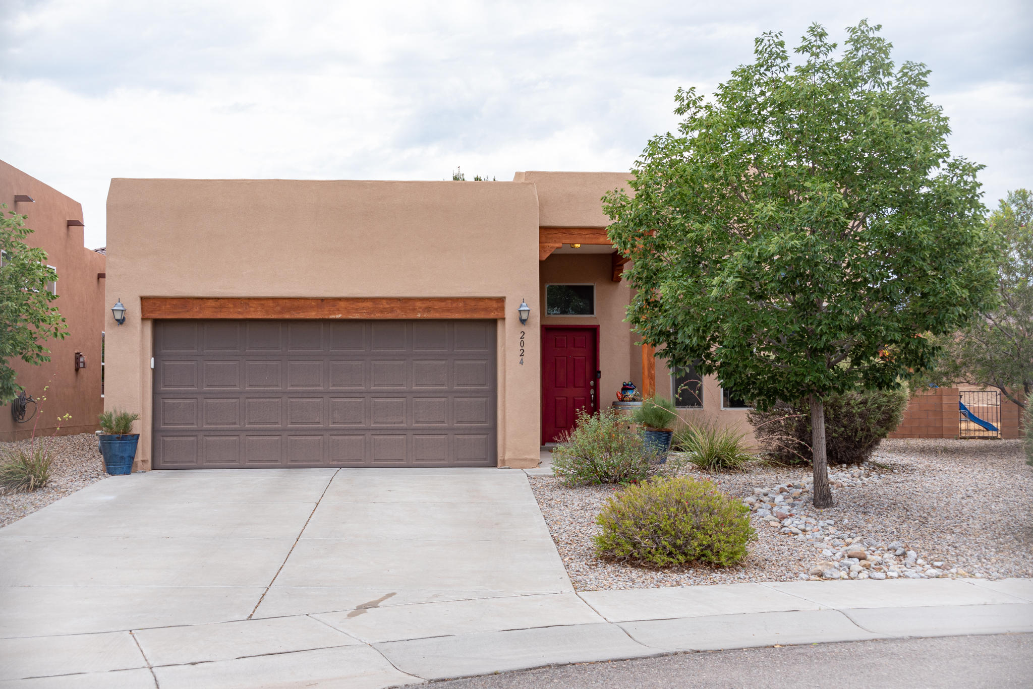 Don't miss your opportunity to own this beautiful one story home in Voltera.  Home features ample natural light with soaring ceiling and kiva fireplace in the living room.  Large owners suite with oversized walk in closet. Plenty of counter space in the kitchen with large pantry too!  Make the backyard your own little oasis.