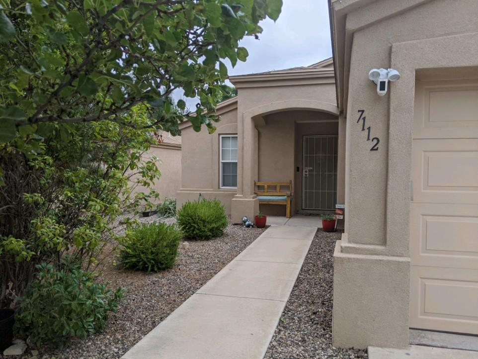 Charming Ventana Ranch Home! Nice size backyard with covered patio.  Refrigerated air and fire place in the family living room.  Great location and move in Ready!  Showings to start 9/15