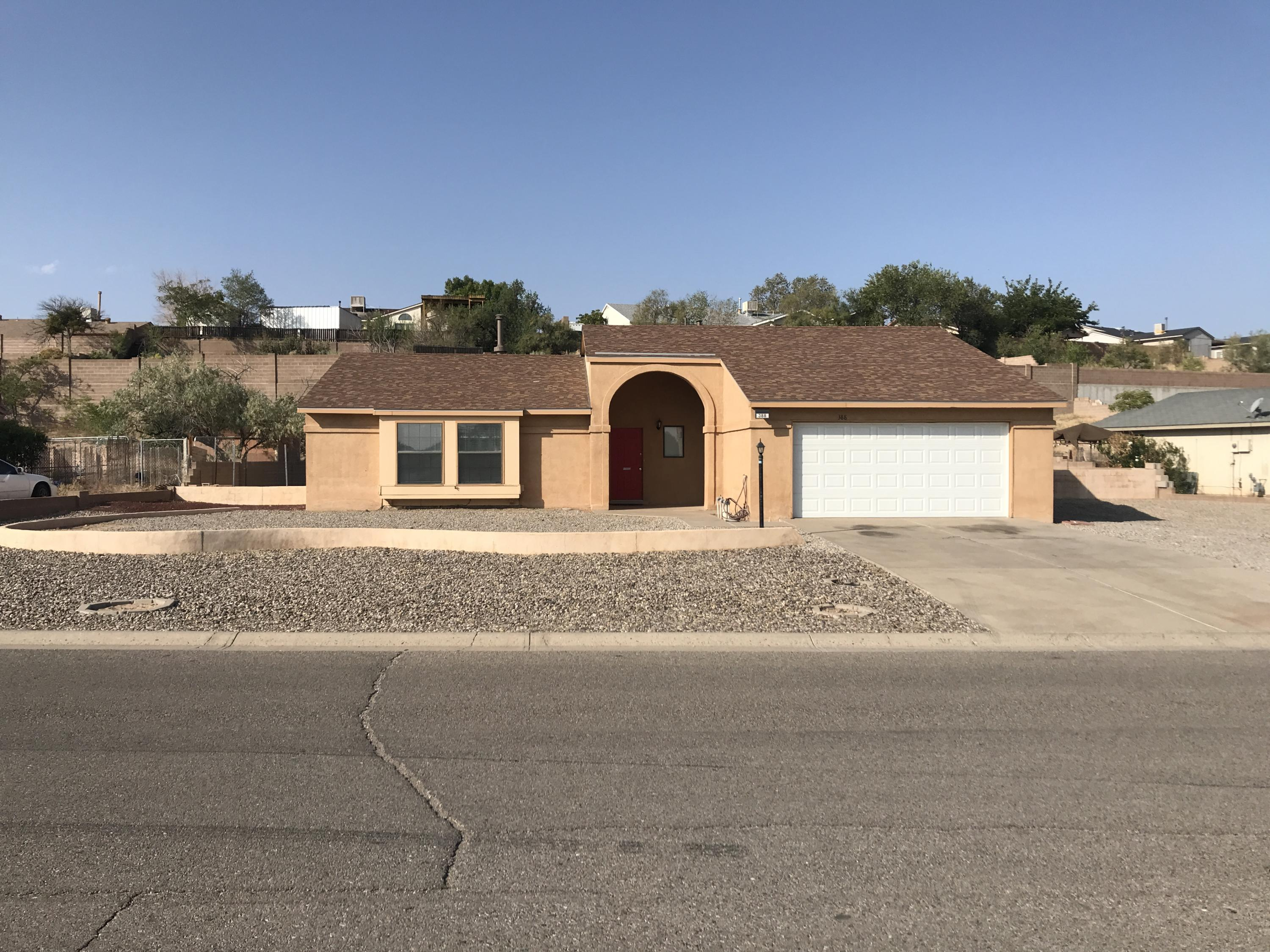 Very Nice 3 bedroom, 2 full bath, Home with double car garage, large backyard, and large area on side of home to park as well. Close to park and the main 528 road.