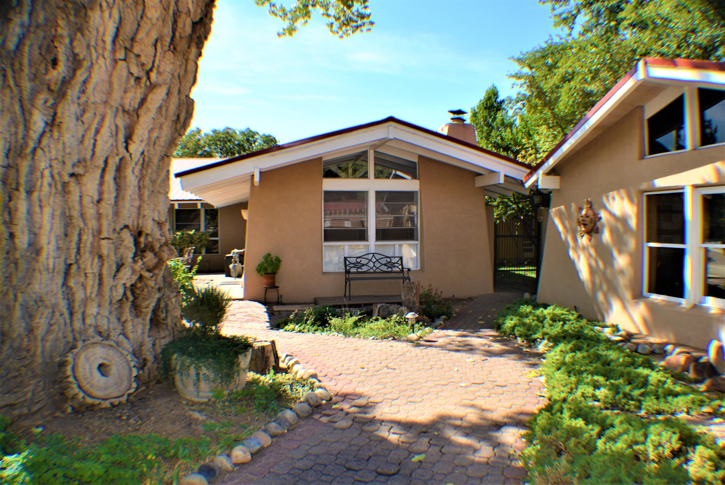 7201 RIO GRANDE BOULEVARD NW, LOS RANCHOS, NM 87107  Photo