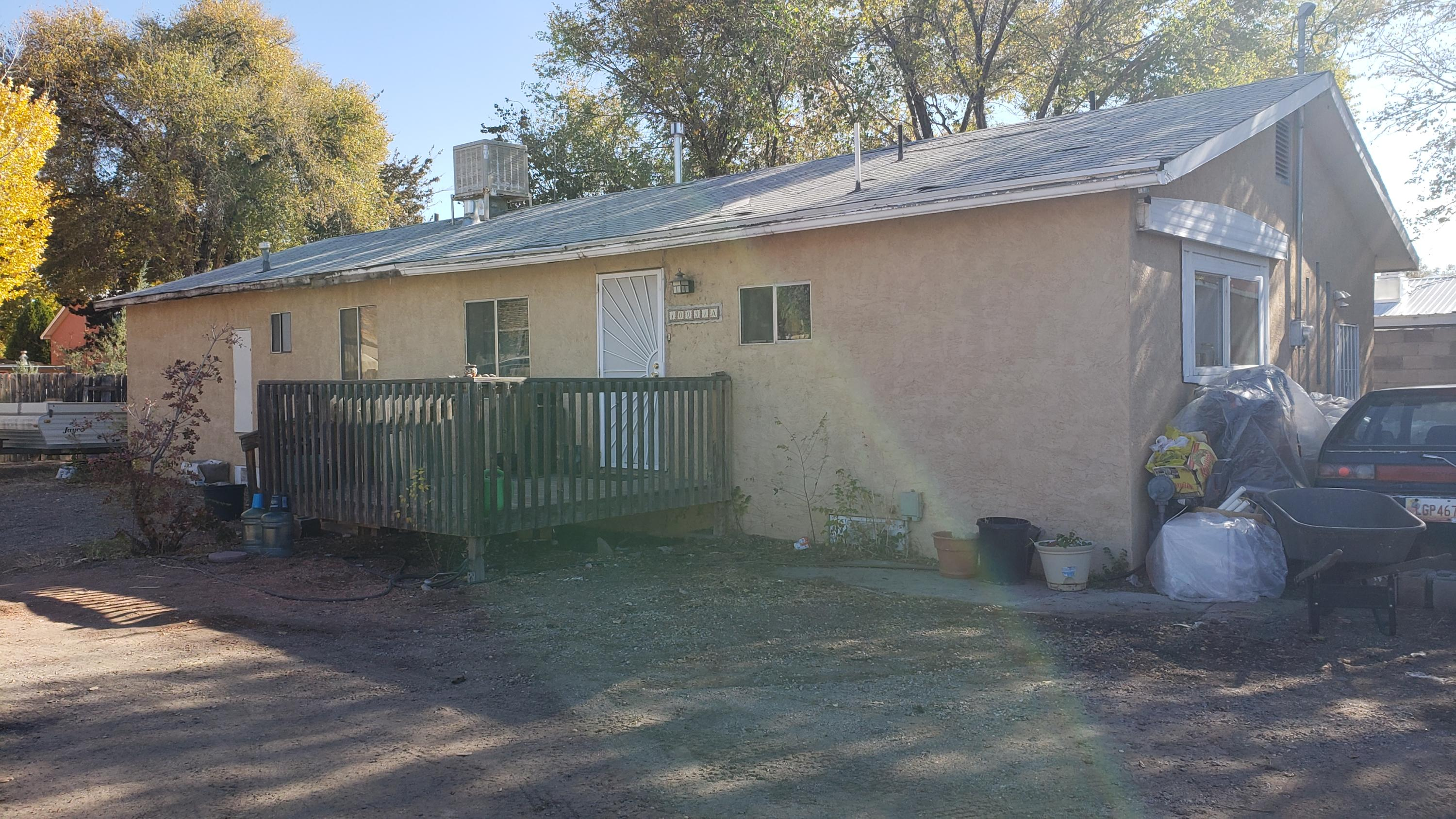 Tenant occupied, 3 bedroom, 2 large full baths, large master and kitchen.  Newer evap cooler.  New roof being installed in October.  Tenant would like to stay but leave with a 30 day notice.  As is, this is a great opportunity for a home in the north valley on a private drive!
