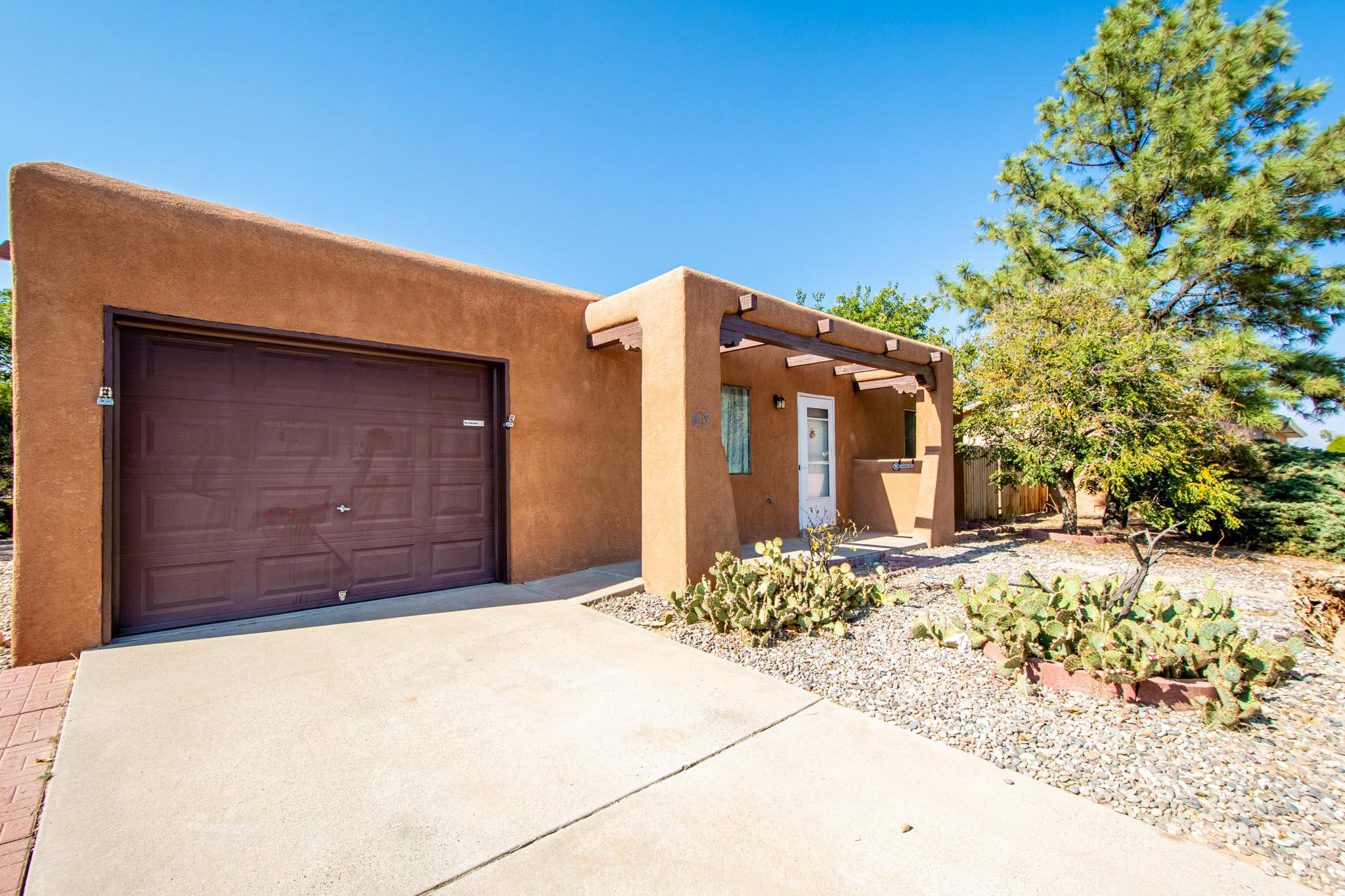 ***BACK ON THE MARKET***Come see this cute little home in the heart of Rio Rancho.  This home has been freshly painted and polished just for you!  Come see this lovely 2-bedroom, 1-bath home on a HUGE lot.  It even has a single car garage.  This home is convenient to NM 528 and all the shopping needs you can imagine.