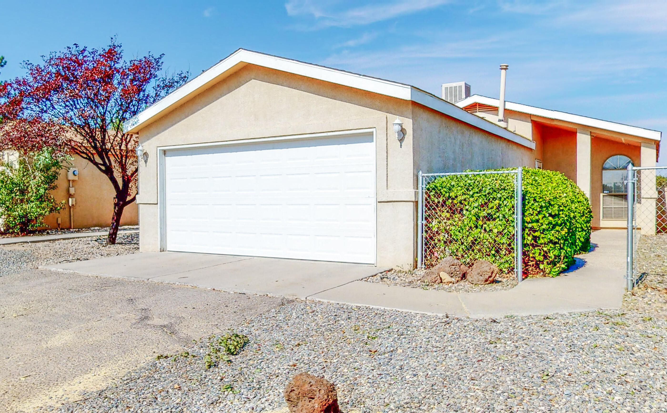 Brand new kitchen counters and sink installed 10/20/2020. Sweet home nestled in Rio Rancho's North Hills.  Two spacious bedrooms with 2 full bathrooms give great space.  Large backyard features no maintenance but lots of space for entertaining or recreation. NO POLY!  All poly was replaced.