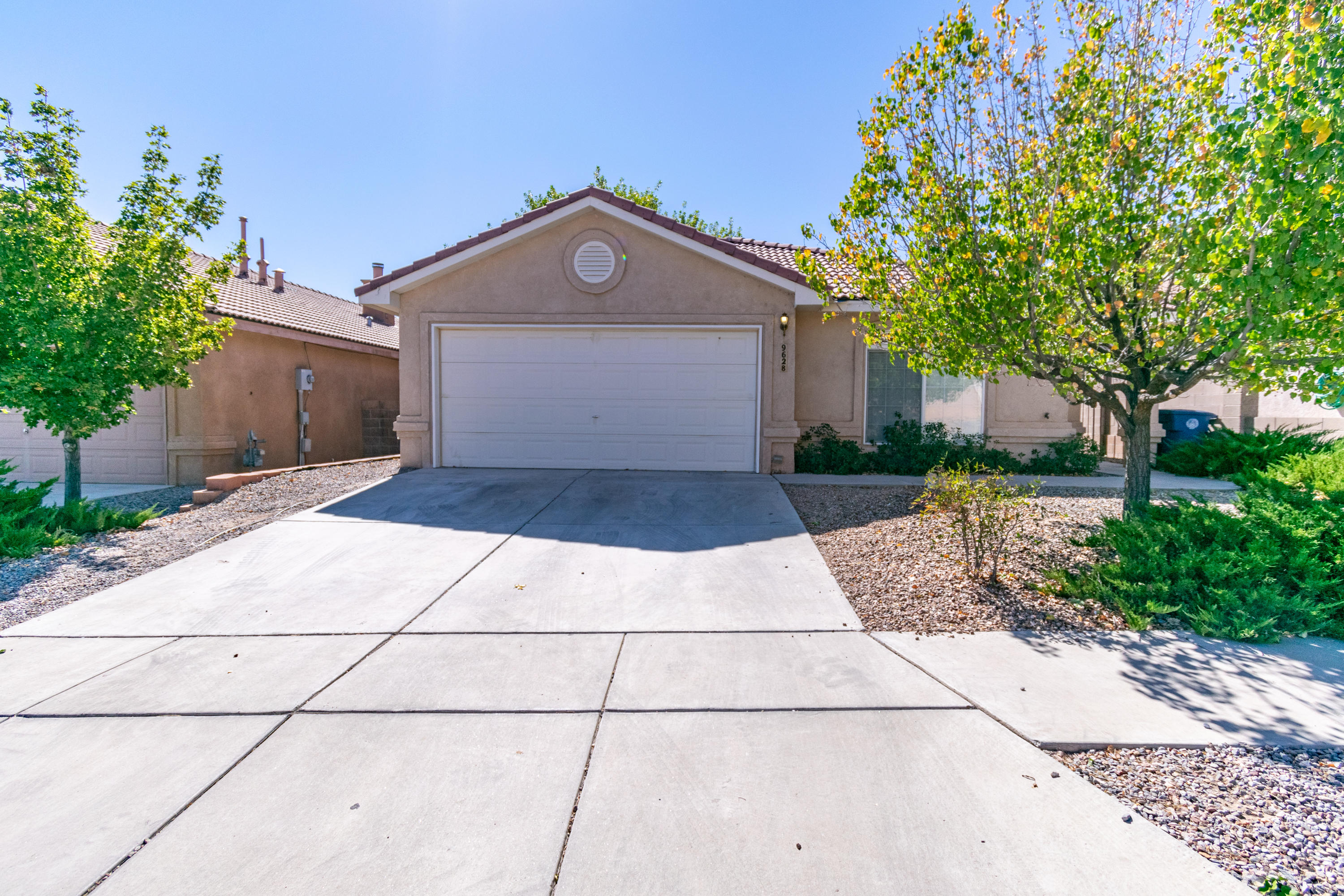 Beautiful 4 bedroom, 2 bath home in Sundoro Subdivision, freshly painted, new carpet, 2 living areas, 2 way fireplace, tile roof, nicho and refrigerated air.  Easy to show and ready for your buyer.