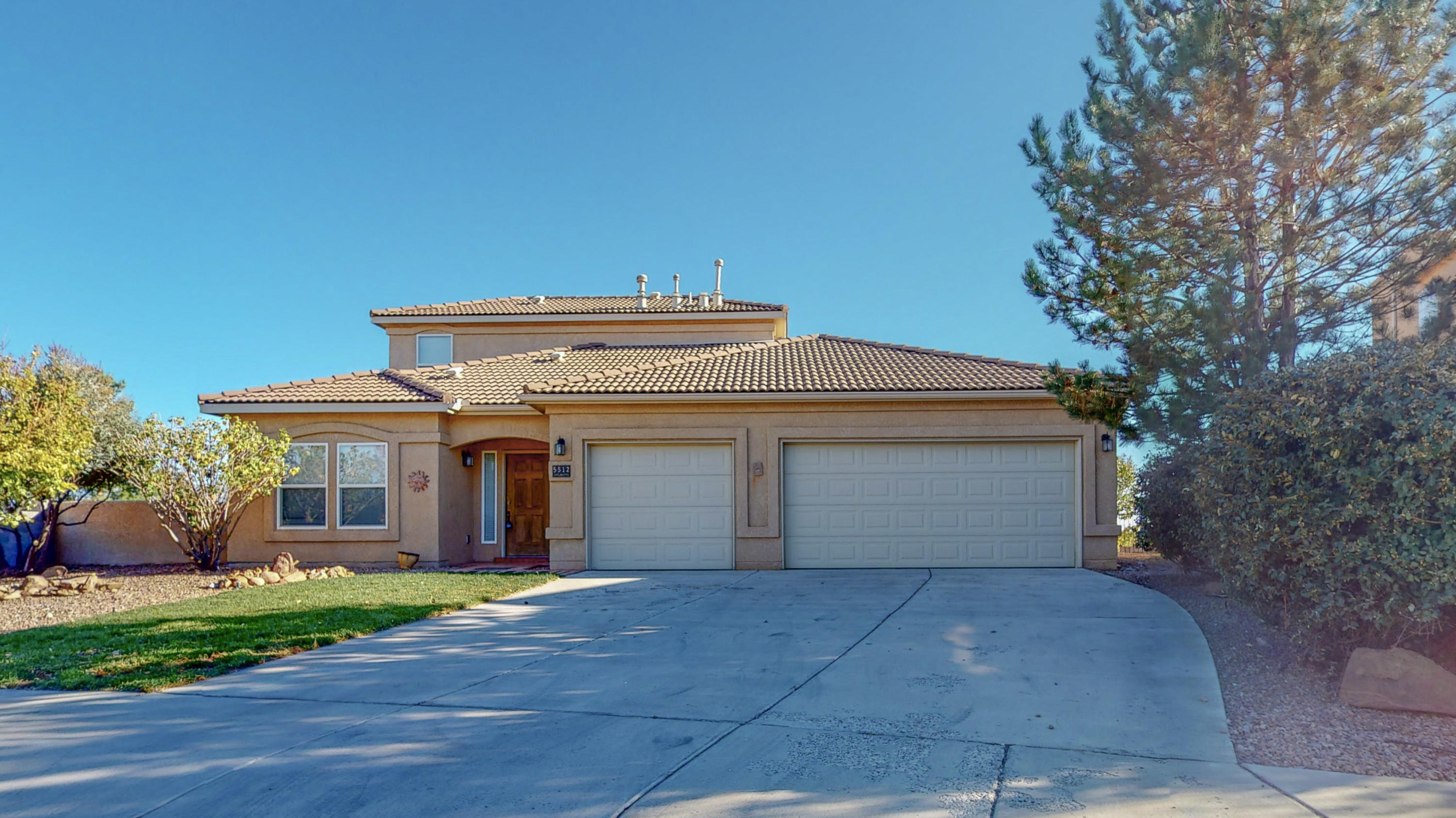The best Mountain views in Rio rancho, 4 bedrooms with an additional loft that could be a 5th or an office or a great home theatre. 3 garages with space for all of your toys. Huge yard with a covered patio, open floor plan and huge family room. # bedrooms freshly painted and ready for a buyer today.