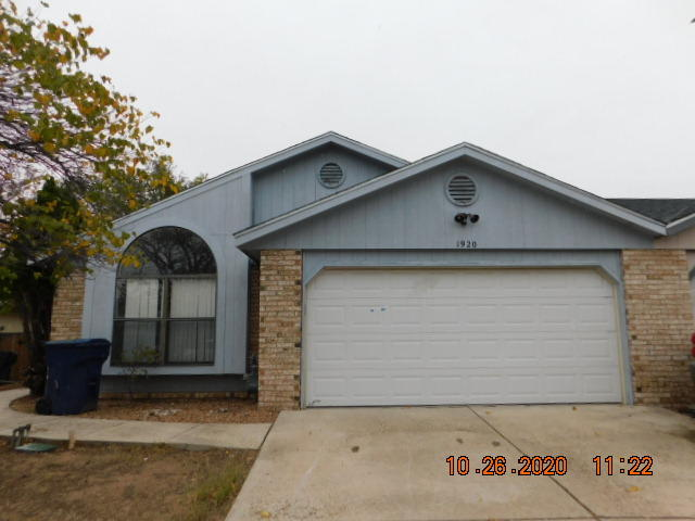 Cute, well maintained,  three bedroom, two bathroom, town home, located near I-25, right off of Hwy 6, near Wal-mart and restaurants.   Perfect home for a first time home buyer or a family just starting out!