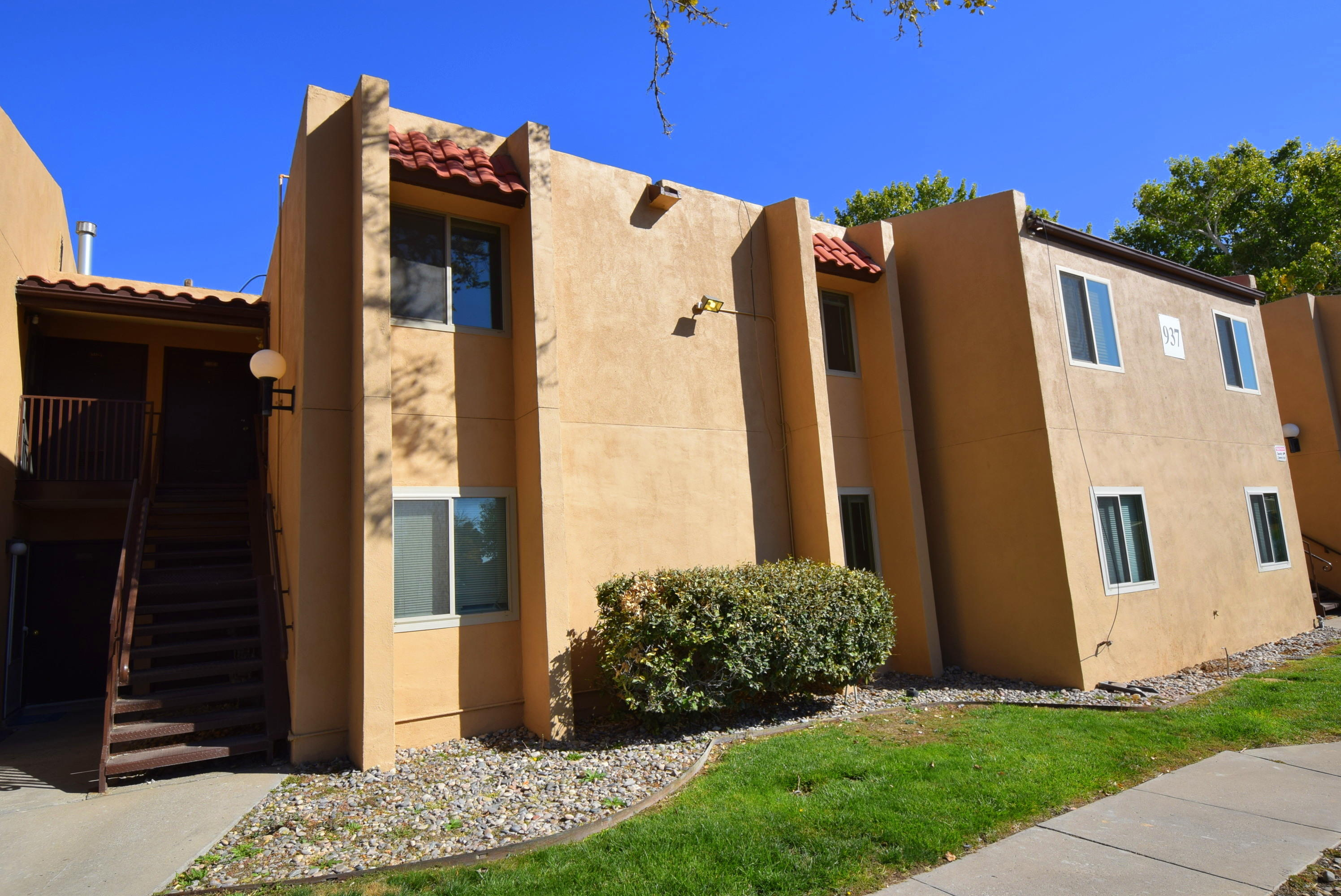 Come see this great condo in the Fairways Condominium Community. Features large living area with cozy kitchen. Hard surface flooring in all major walk ways. 2 large bedrooms with newer carpet! Newer Paint! Newer HVAC! Private balcony! On site community pool and BBQ facilities perfect for family fun. Great location! Close proximity to shopping, dining and entertainment. Priced to sell!! Don't miss this true gem. Call a Realtor today to schedule a private showing.