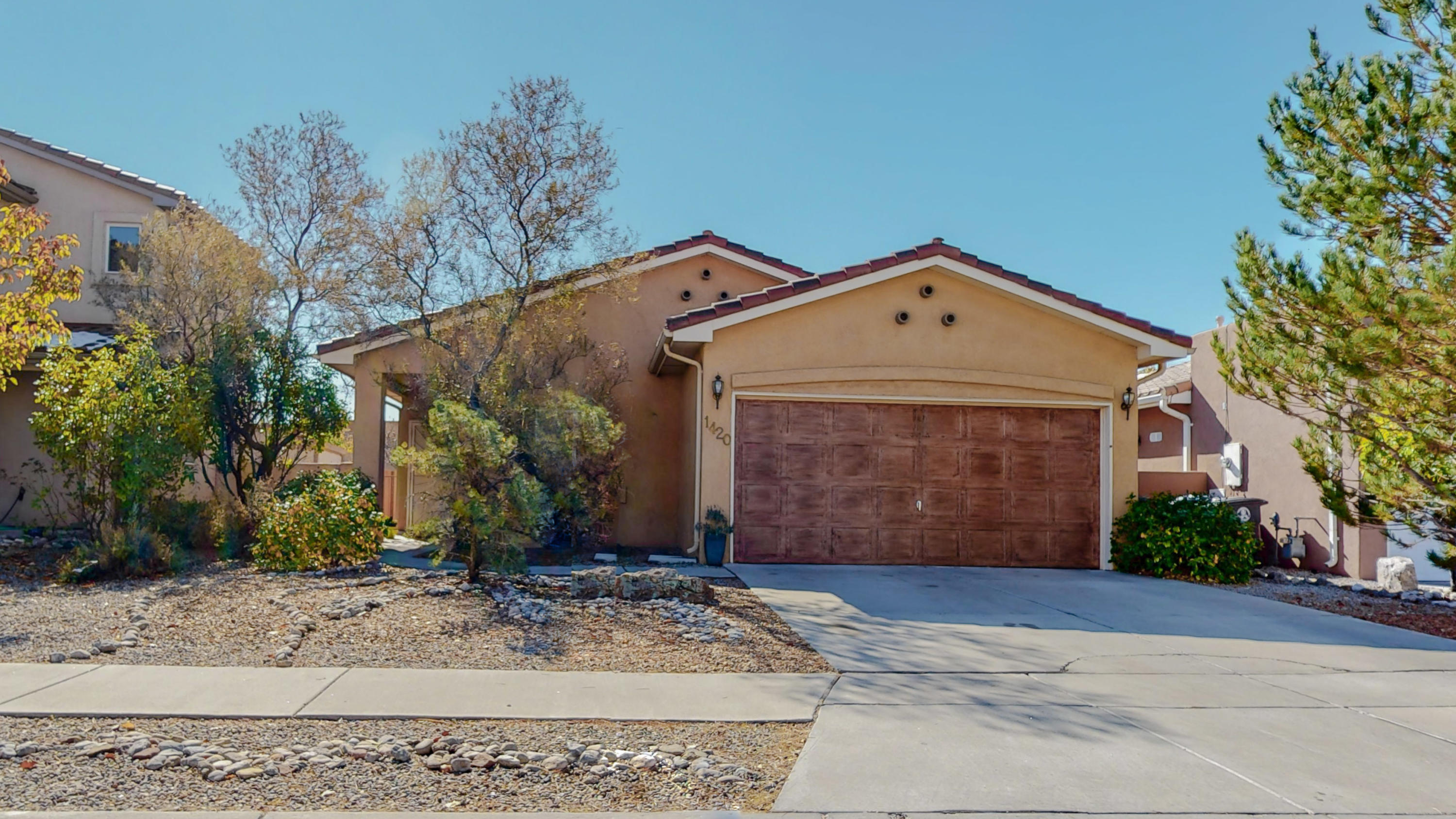 Welcome Home!  Rare buying opportunity for this beautiful light and bright 2 bedroom, 2 bath, in the Vista Del Norte Neighborhood. Home features REFRIGERATED AIR, open concept floor plan, tile roof, Great local parks, paved public trails, and amazingly close to the Balloon Fiesta Park.