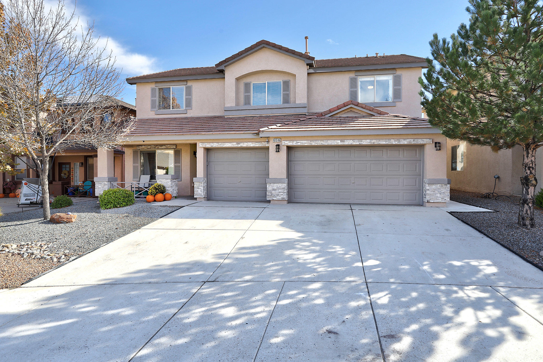 VIEWS, VIEWS, VIEWS...Beautifully updated home with 4 spacious bedrooms, 2 large living area's, loft, huge master with private view balcony, 3 car garage...the list goes on and on.  Schedule this MUST SEE today.