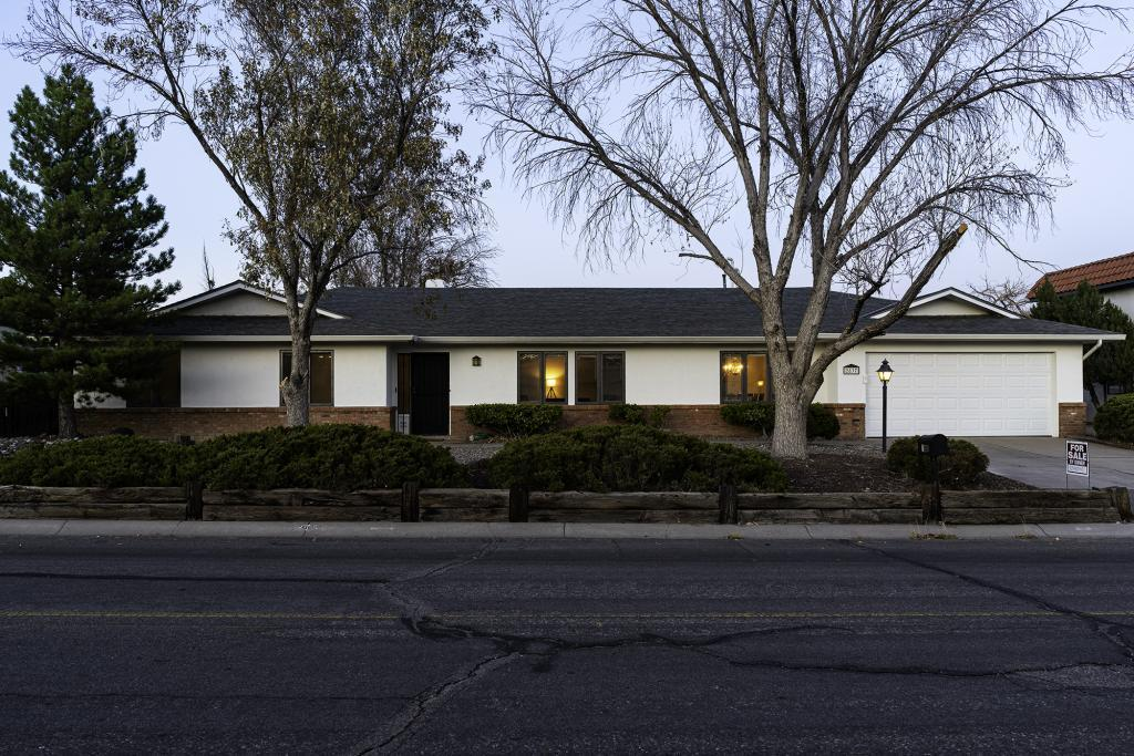 Great and beautiful one story 3 BDR/2.5BA/2CG on approx 1/4 acre lot in Rio Rancho. Refrigerated air. New furnace, AC/heater and tankless water heater (2019). Beautiful Pella wood windows. NEW Granite countertop and stainless steel appliances (2020). Huge living room and formal dining room with new (2020) engineered hardwood floor. Family room with brick fireplace and sliding door to the outdoor covered patio. Private office so you can work from home! Recently painted inside and outside and NEW carpets in all bedrooms (October 2020). Great views to the mountain! You don't want to miss this one!!