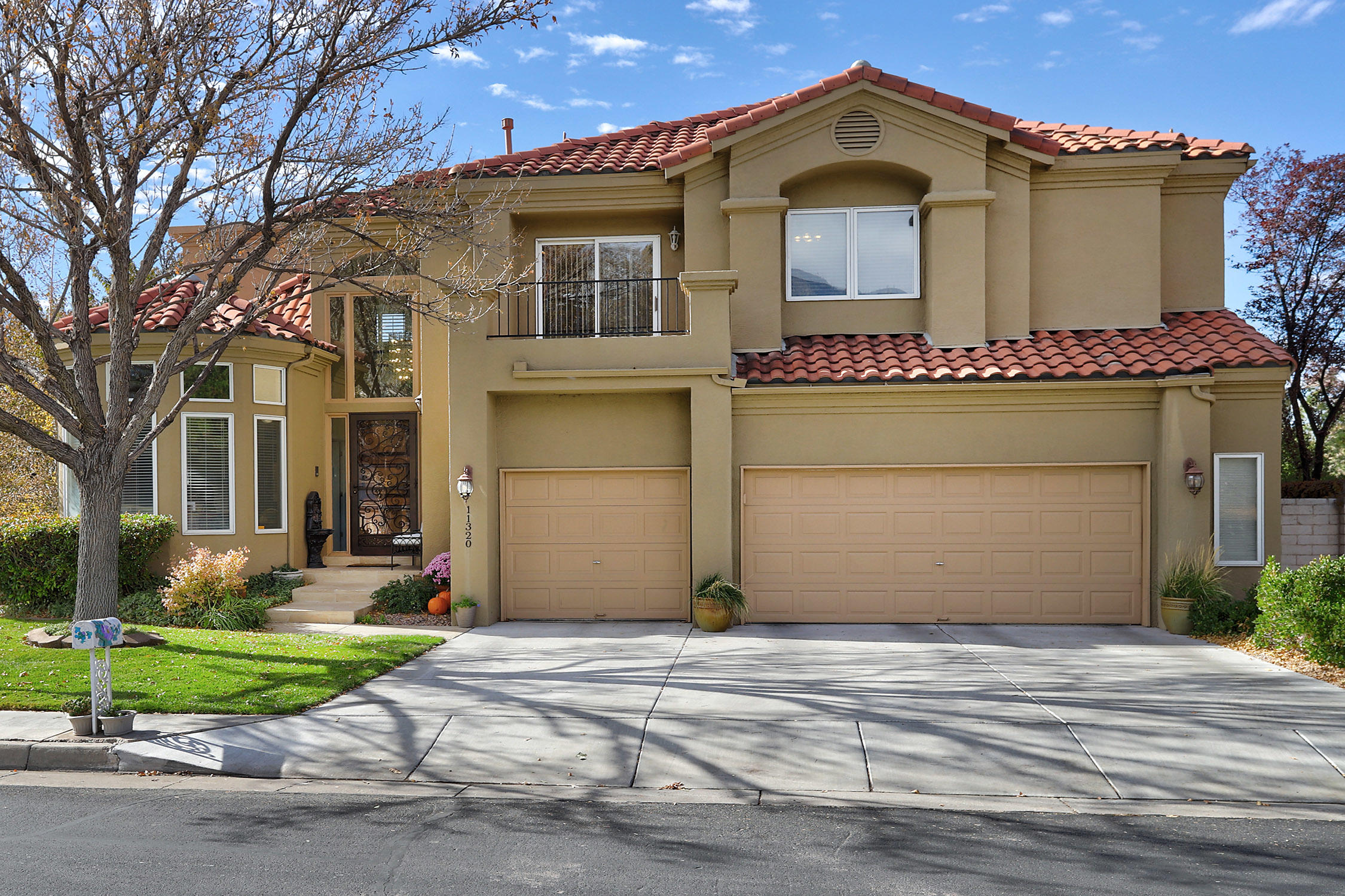 Stunning condition butting up to Sandia Hole #9.  Premier condition throughout with 3 wonderful living spaces.  5/6 bedrooms & a Backyard private Oasis complete with heated, gunite pool w/auto cover & inground hot tub under a beautiful Gazebo.  Even your own basketball court.  The finished basement offers a recreation room w/pool table, wet bar, bedroom  + office or play room & 3/4 bath.  Everything in this home is in pristine -- beautiful engineered wood floors, travertine tile & H20 Heaters replaced in 2019 & 2020.  3 brand new high efficiency furnaces. Tile section of  roof replaced/serviced in 2020.  New pool pump, automatic pool box & motors, & new spa cover 2019, newer TrekDeck & newer granite throughout. This home has a very livable flowing floor plan with tons of natural light.