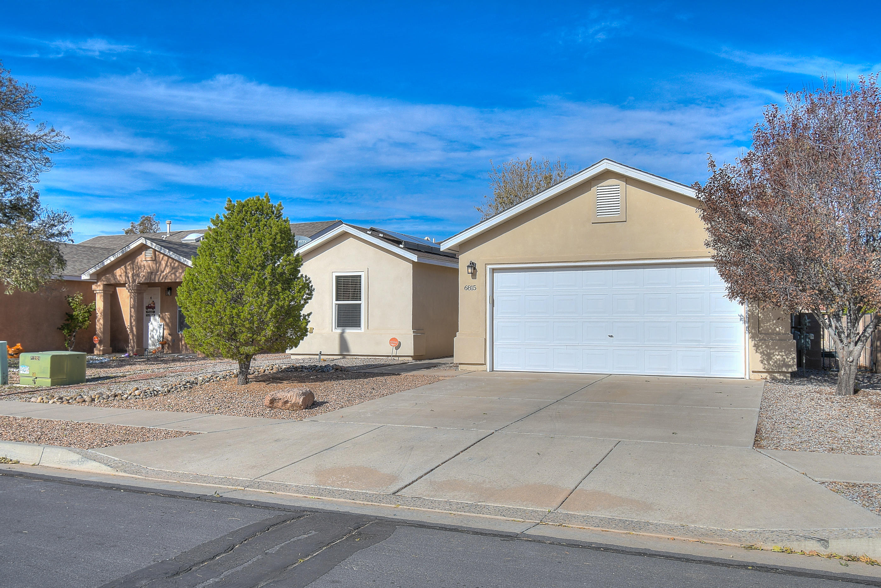 Look no more!! Your next home is waiting for you and this is it. Located in a well established area, close to schools for the kids and fast food restaurants for late snacks. Low maintenance for both the front and backyard.  Come see what can be your new home.