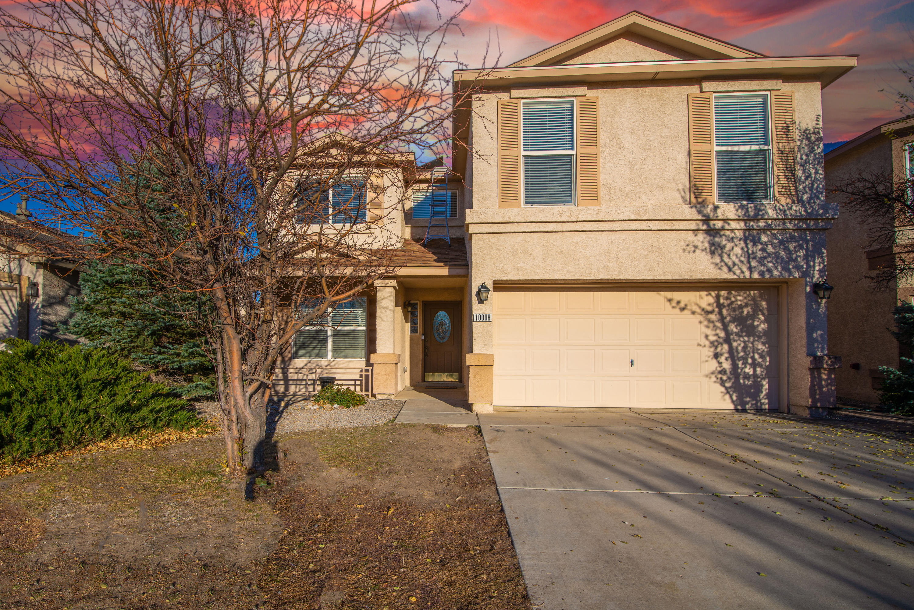 An amazing DR Horton quality home built on a low traffic Cul-de-sac. Gorgeous remodeled fireplace with airstone background warms in the winter months and refrigerated air cools in the summer. Outdoor hot tub will help you relax after a long day. Updated kitchen with newly installed stylish tile backsplash. This well-designed floorplan offers formal and informal living areas, plus an upstairs loft for more living space.Brand new roof was just installed last month. There is also a brand new water heater in the garage. Great location. Family oriented community has parks, tennis courts, a pool for great family fun. Come, see and take this opportunity for this beautiful home to be yours!