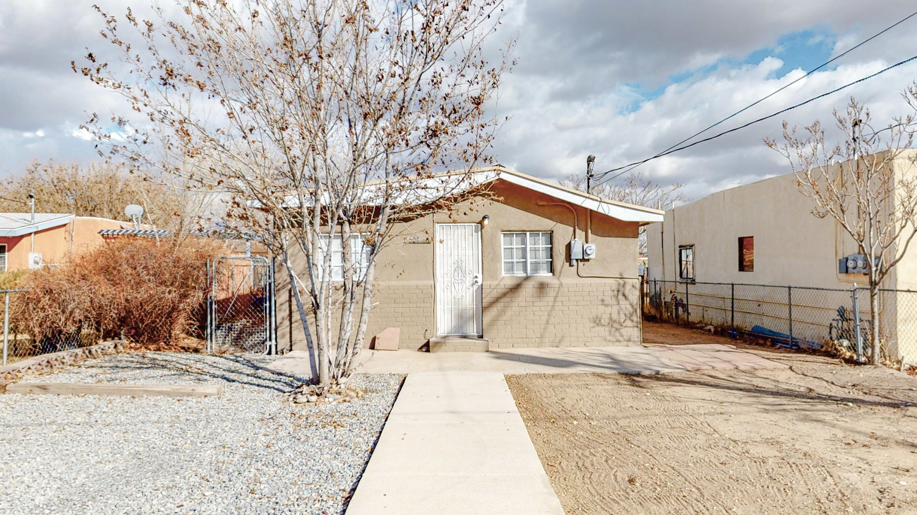 This stunning home and property is in the heart of the near North Valley. This is a large lot with a lot of room for growth and development. This home features 495 square feet with 2 Bedrooms and 1 Bathroom. Don't miss out on this great opportunity.