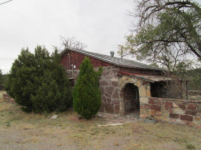 Hard to find property with restoration potential, Viewing by appointment only. Mandatory documents must be signed and delivered to listing agent before viewing. Certain information herein has been obtained from tax records and/or MLS history.