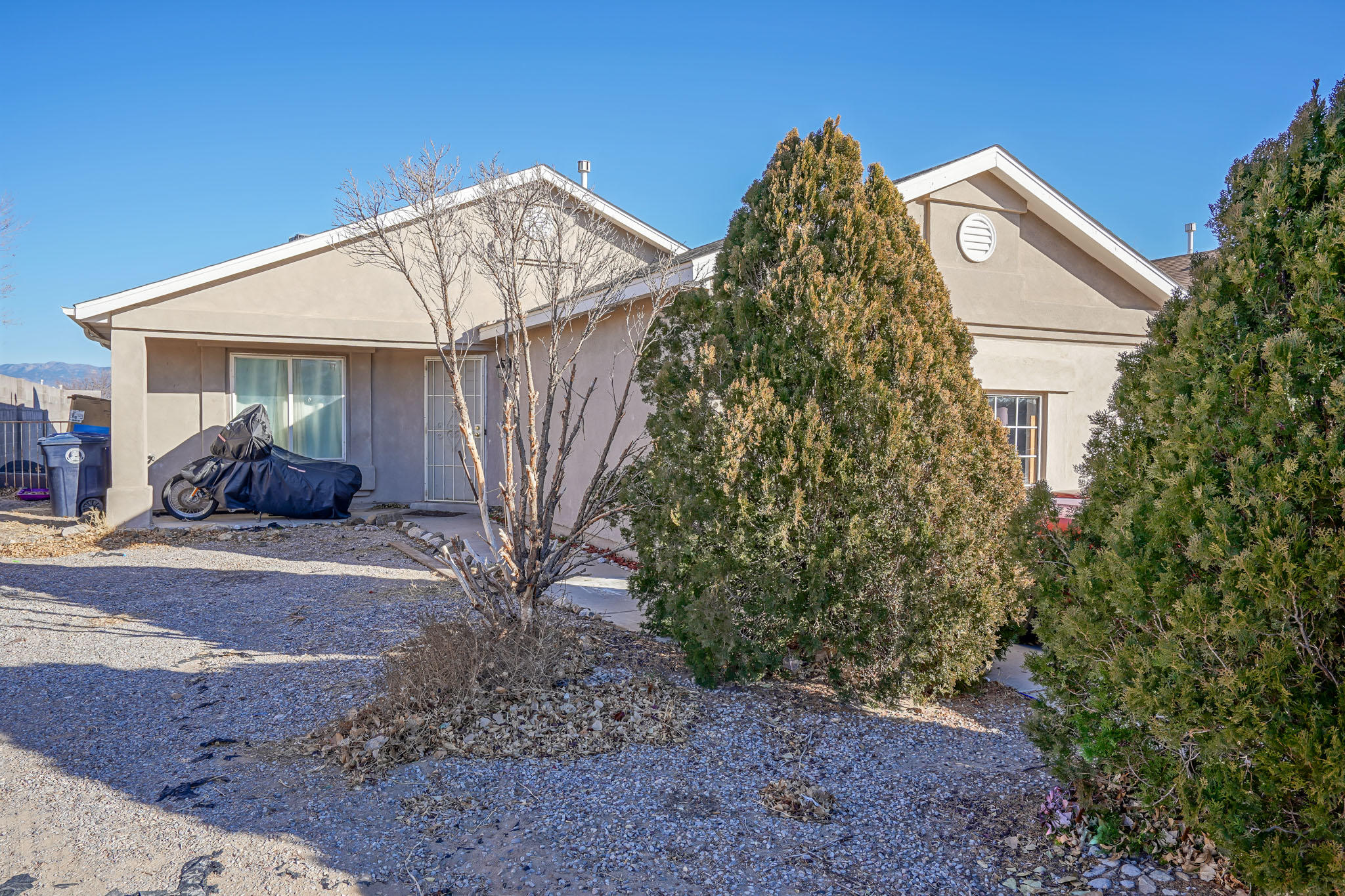 Welcome To Your Beautiful 4 Bedroom 2 Bathroom Westgate Heights Home.  This House Boasts A Beautiful Chefs Kitchen With A Brand New Backsplash, Brand New Carpet and Fresh Clean Bathrooms.  The Back Yard Is A Very Large Blank Canvas Ready For Your Personal Touch. This Home Will Not Last!