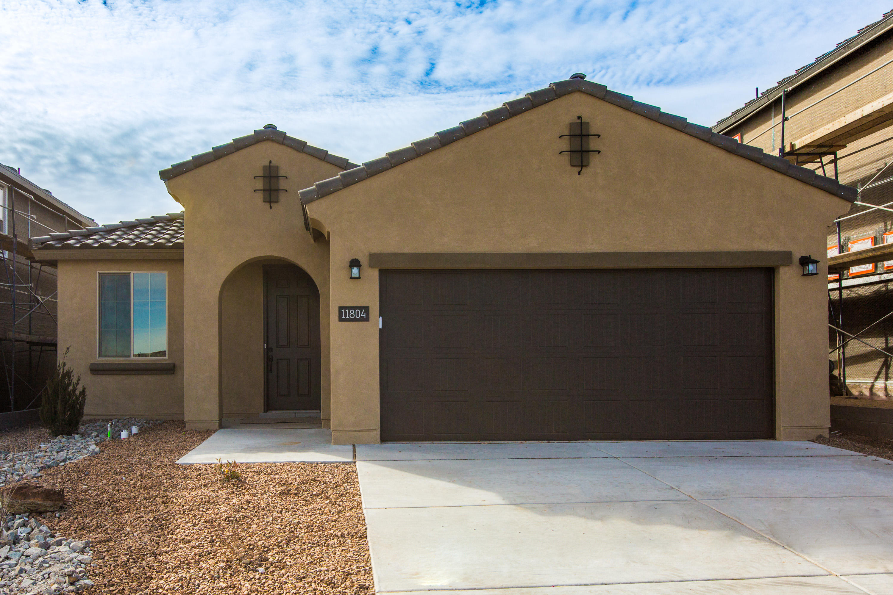 The Hewitt is a beautiful open floor plan in Pulte's premier gated community! Featuring a covered patio with great views, upgraded 42-inch kitchen cabinets and stainless steel gas appliances and much more. Available Now!!!
