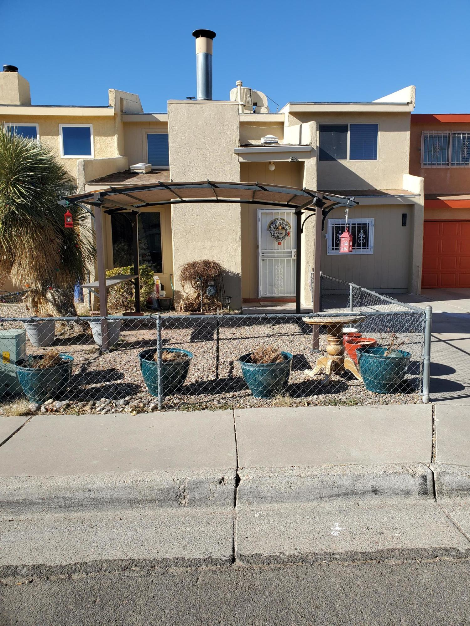 CUTE TOWNHOUSE  CONVENIENT TO KAFB, SANDIA, I-40, SHOPPING MALLS, HOSPITALS, ETC. GREAT STARTER HOME.  MASTERBEDROOM DOWNSTAIRS.  QUIET NEIGHBORHOOD. CALL YOUR REALTOR TODAY TO SEE THIS NEW LISTING.