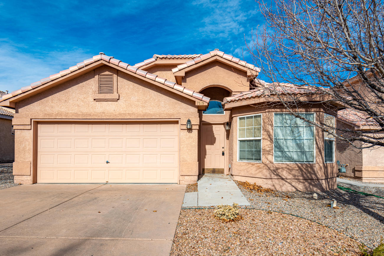Gorgeous southwest heights home, selling as-is. Minutes away from highway. Schedule showing ASAP!
