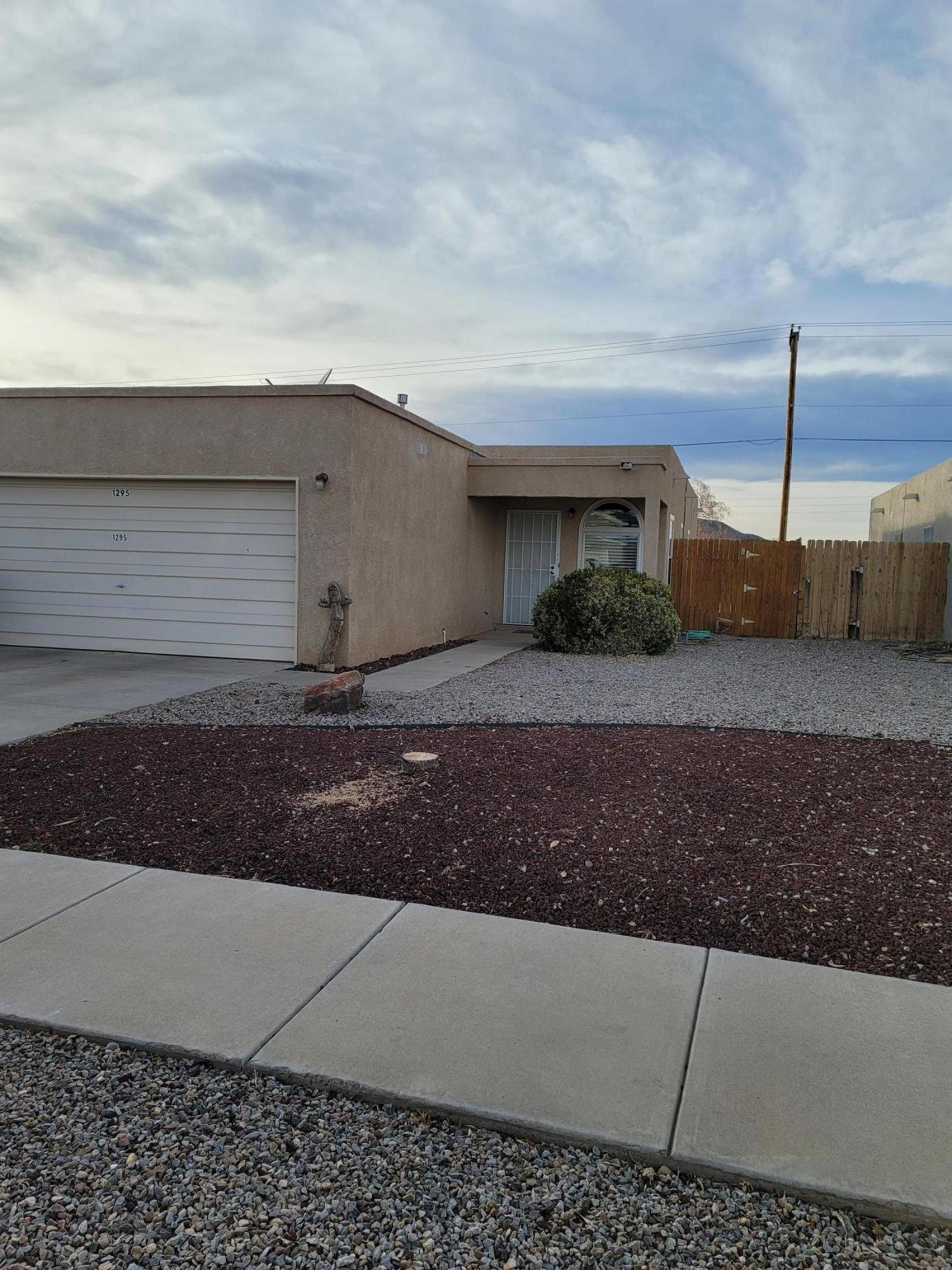 5 MINUTES from I-25!   Convenient to Restaurants, Gas Stations, Walgreens, Home Depot etc.  Darling 3 bedroom Single Story townhome with 2 full bathrooms.  Front yard is low, low maintenance/ rock landscaping and backyard has grassy area for children and pets.  Sliding glass door off of dining area/ kitchen opens to a small Covered Patio for Summer BB-Qs or Sunday morning breakfasts.  Washer, Dryer and Refrigerator convey with acceptable offer.