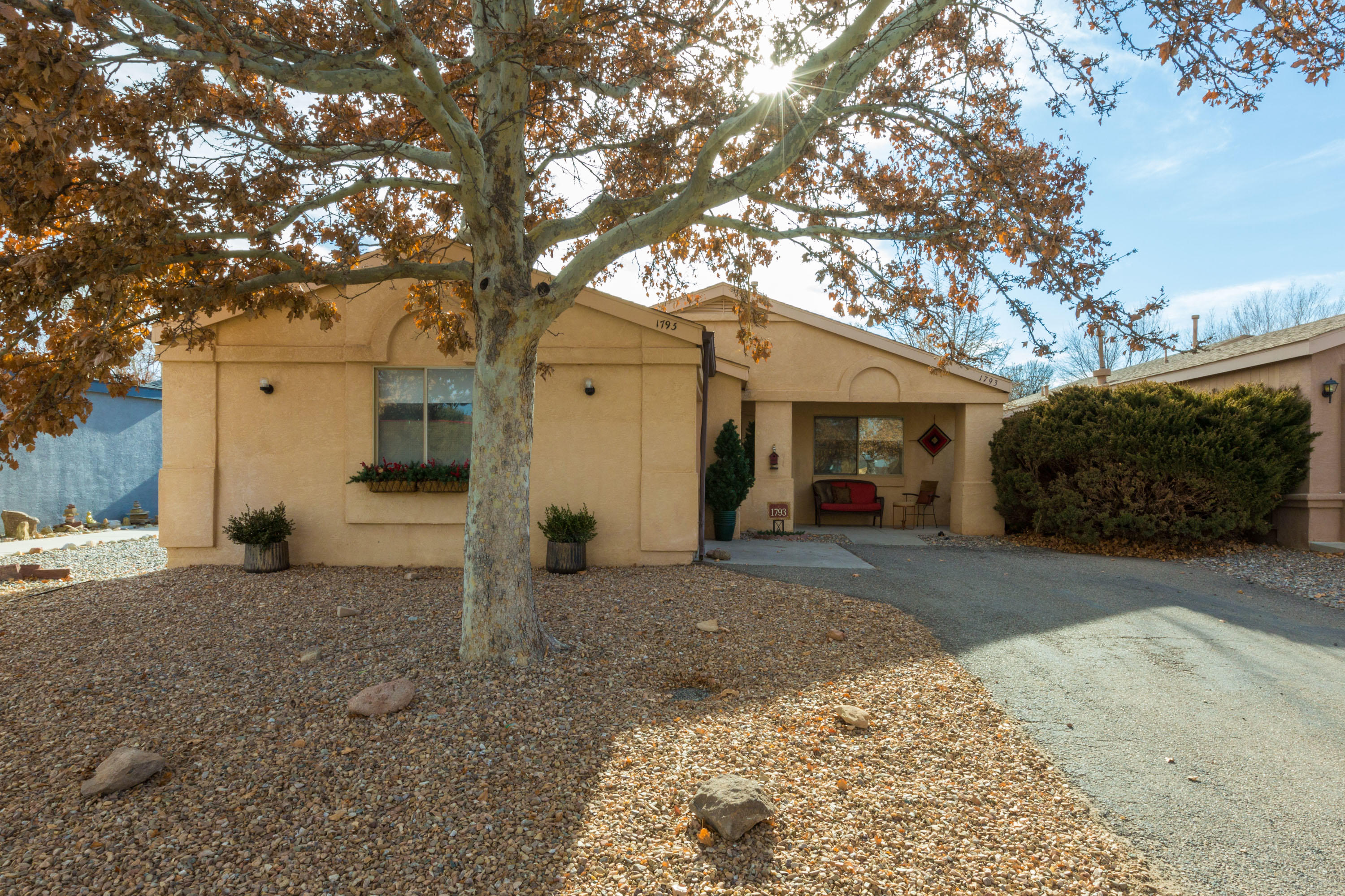 Welcome to your New Home! Charming well maintained 2Bedroom, 1.75Beds, 1Car Garage. Home is the perfect start for anyone looking in the Rio Rancho area with Great Schools, Medical Centers & Shopping Centers! All Appliances Stay, A Great Place to call Home!