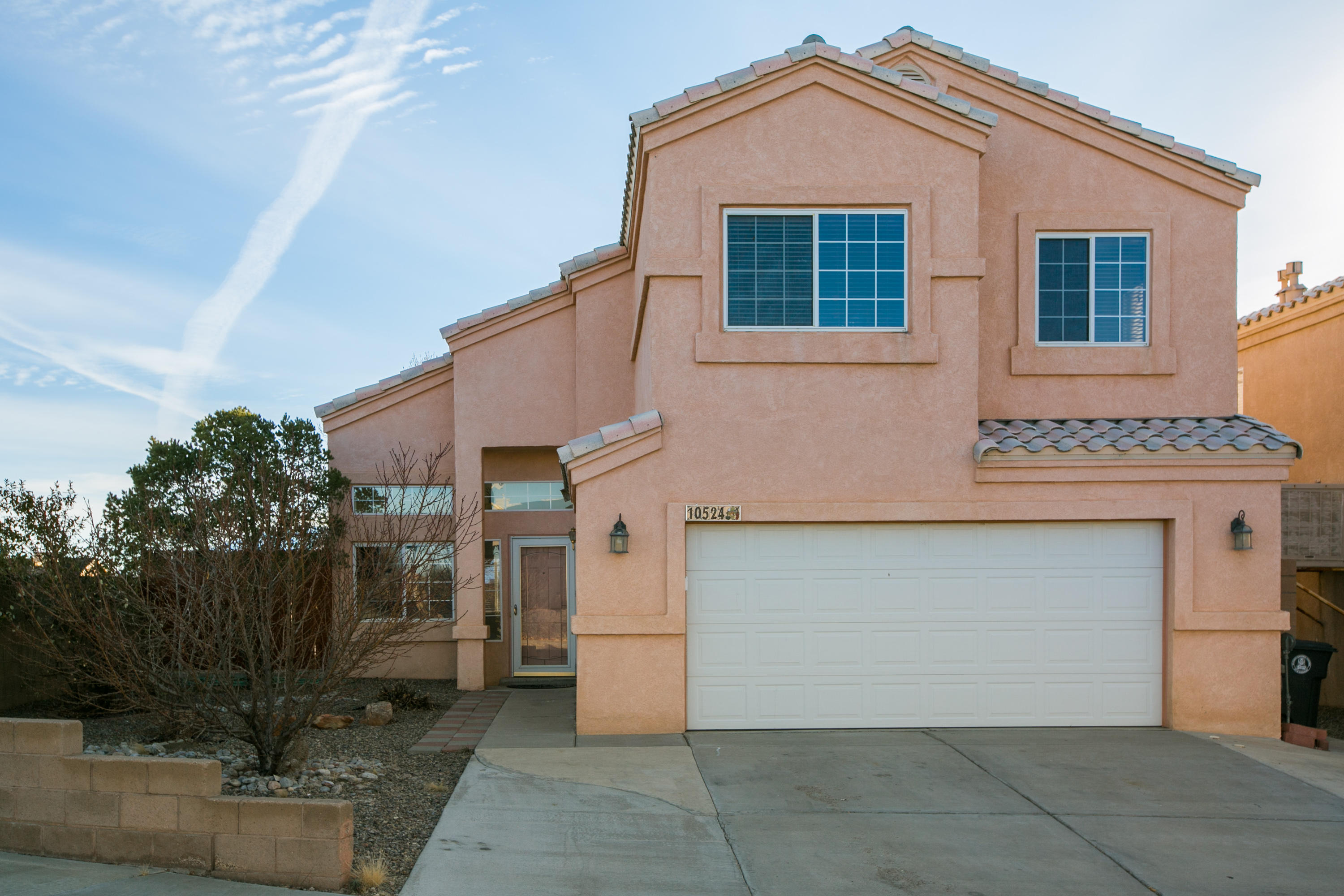Beautiful home! Welcoming open floor plan with 4 bedrooms. This home has beautiful views of the Sandia Mountains. Enjoy the corner lot with a spacious backyard and a balcony off the master bedroom.