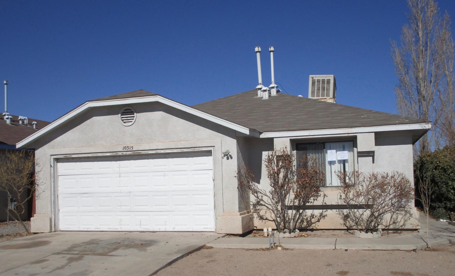 This Single Family home located in the desirable Southwest Heights subdivision of SUNRISE TERRACE has 3 Bedrooms, 2 Baths, and a 2 Car Attached Garage. Enjoy relaxing in the Large Living Room or sitting down to a meal in the Dining Room. The Kitchen features a Breakfast Nook and the Master Bedroom features a walk-in closet. The Backyard is perfect for dogs and includes a fenced dog area. Ideally situated close to shopping, parks, schools and all the amenities of the city. DON'T MISS THIS ONE!!!To help visualize this home's floorplan and to highlight its potential, virtual furnishings may have been added to photos found in this listing.