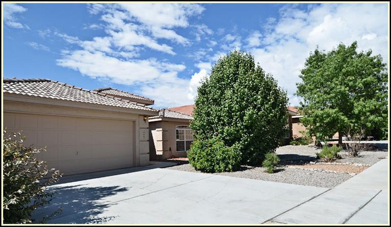 Don't miss out on this fantastic Paradise Hills home 3-way fireplace that is set between 2 living area's, formal dining area/study room, open kitchen to breakfast nook. Master bedroom offers full master with double sinks, stand alone shower and soaking tub.