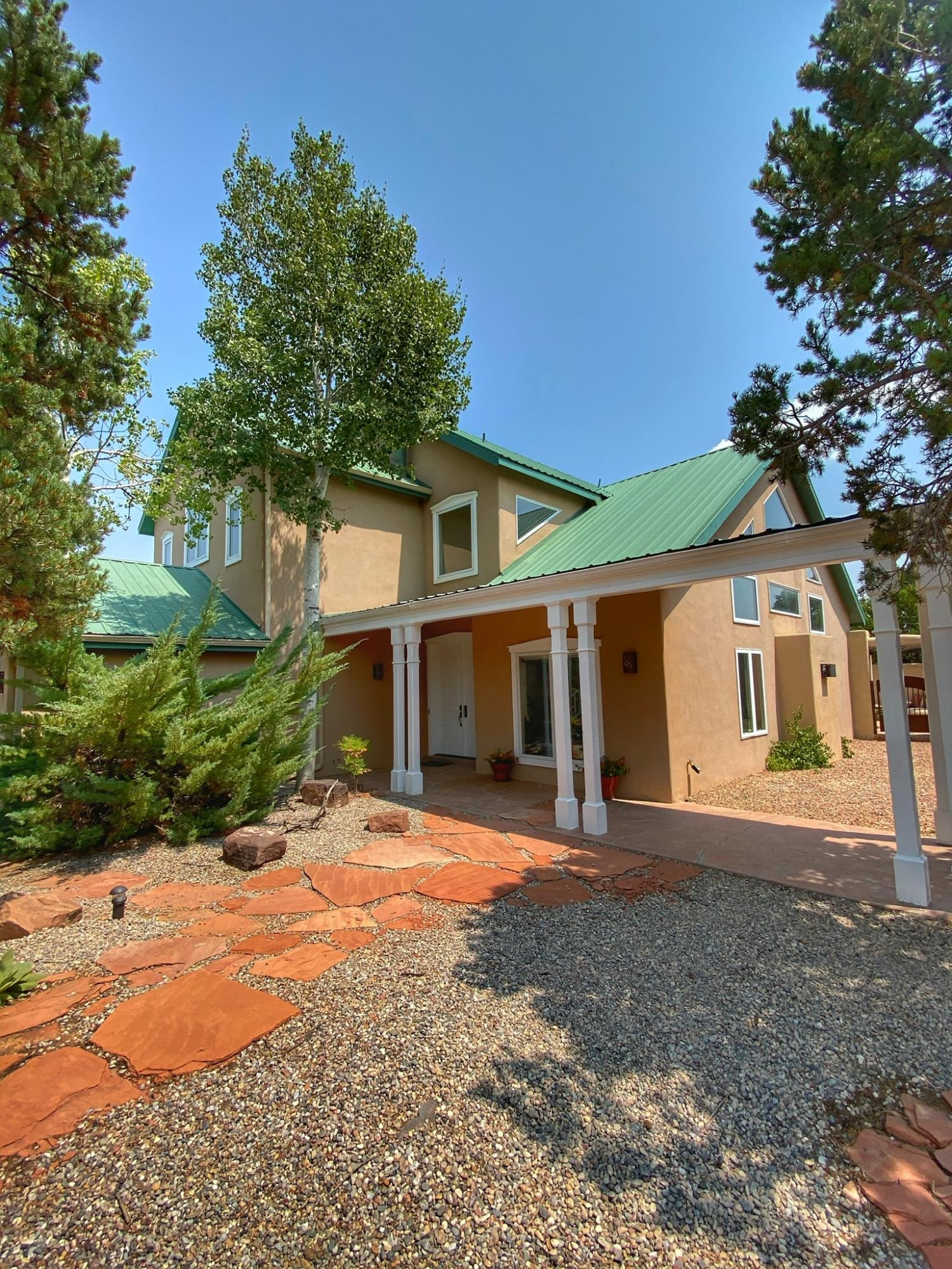 Welcome to your new home in Paako Ridge Golf Course Community! Enjoy the swimming pool, tennis courts, clubhouse, and savor seasonally rotating menus prepared by an award winning chef. Breathtaking views abound. This 4 bed/3 bath mountain home has been updated with new KitchenAid appliances and new carpet throughout. The outdoor living space is second to none. It includes a built in gas grill and fireplace. The peaceful fountain draws migratory birds year round. Lots of upgrades, a must see!
