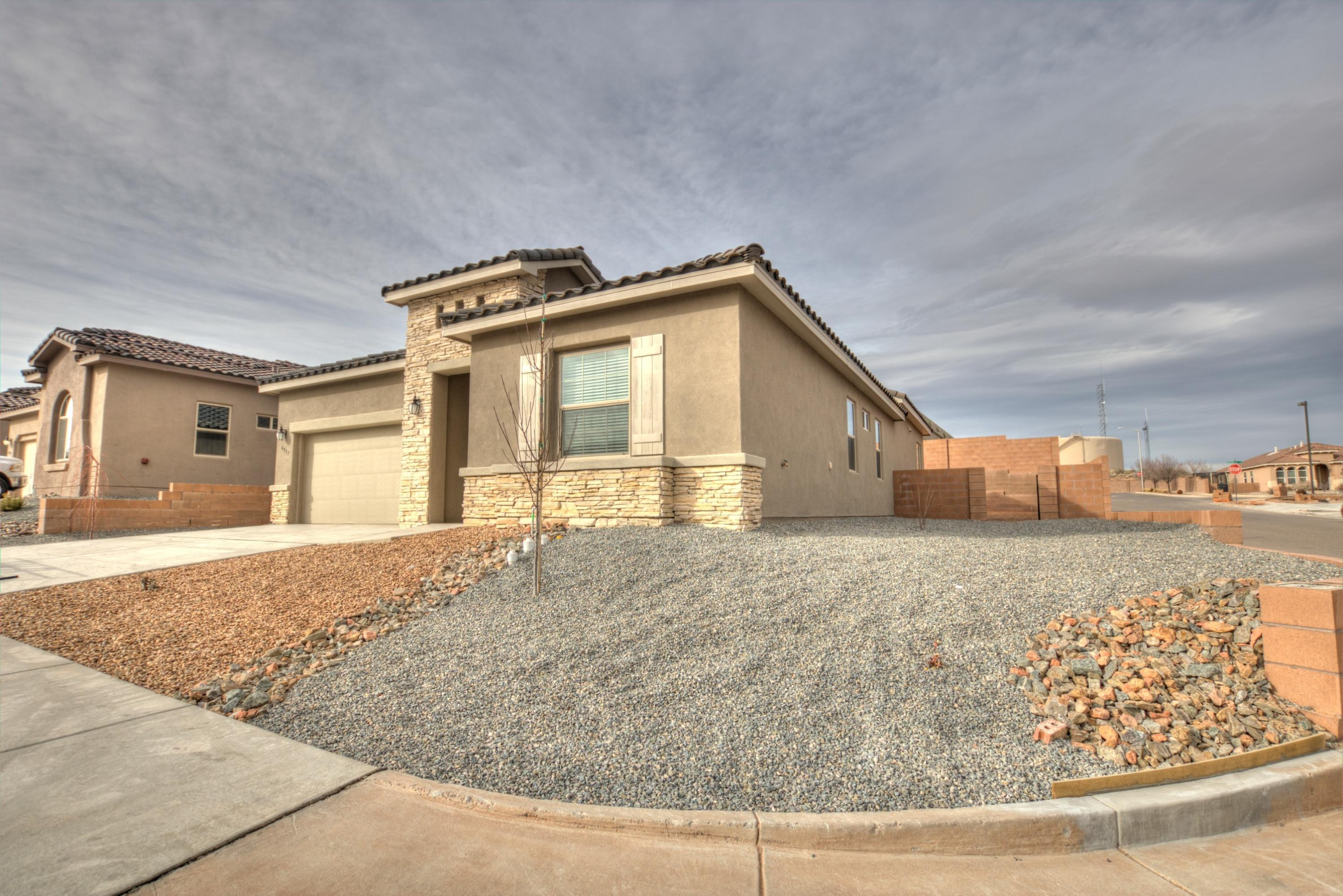 1920 sf MedEstimated completion: 05/18/20213 bedroom, 2.5 baths.  8' doors, gourmet kitchen, farm sink, upgraded tile; granite countertops in kitchen (PHOTOS ARE NOT OF ACTUAL HOME BUT REPRESENT THE FLOOR PLAN)