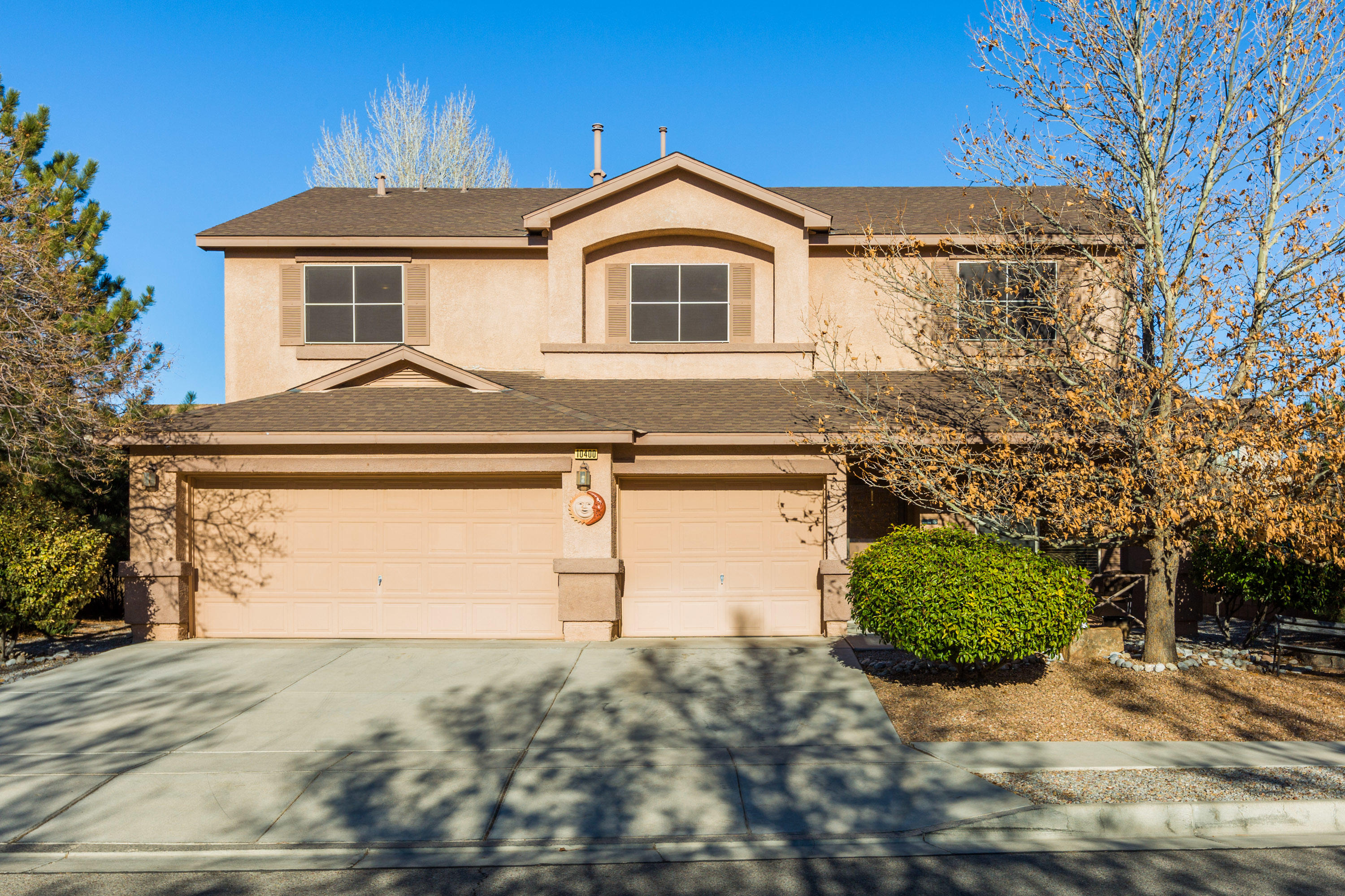 Beautiful corner lot home in a desireable neighborhood in Ventana West. DR Horton built at its best. A hop and a skip to the park and open space for views and elegance . Luxury master suite features garden tub ,seperate shower, double vanity,walk in closet , walkout balcony for morning coffee.3 spacious  bedrooms and bonus loft. 2 living  areas enhanced with a gas log fireplace for those cool nights,open kitchen, solid surface counters , cherry cabinets and tiled flooring in kitchen and family room. Walkout to the lovely covered patio back yard with  lush yard and a 8x10  tuff shed  that conveys for extra storage  and if that isn't enough the 3 car oversized garage is super plus.