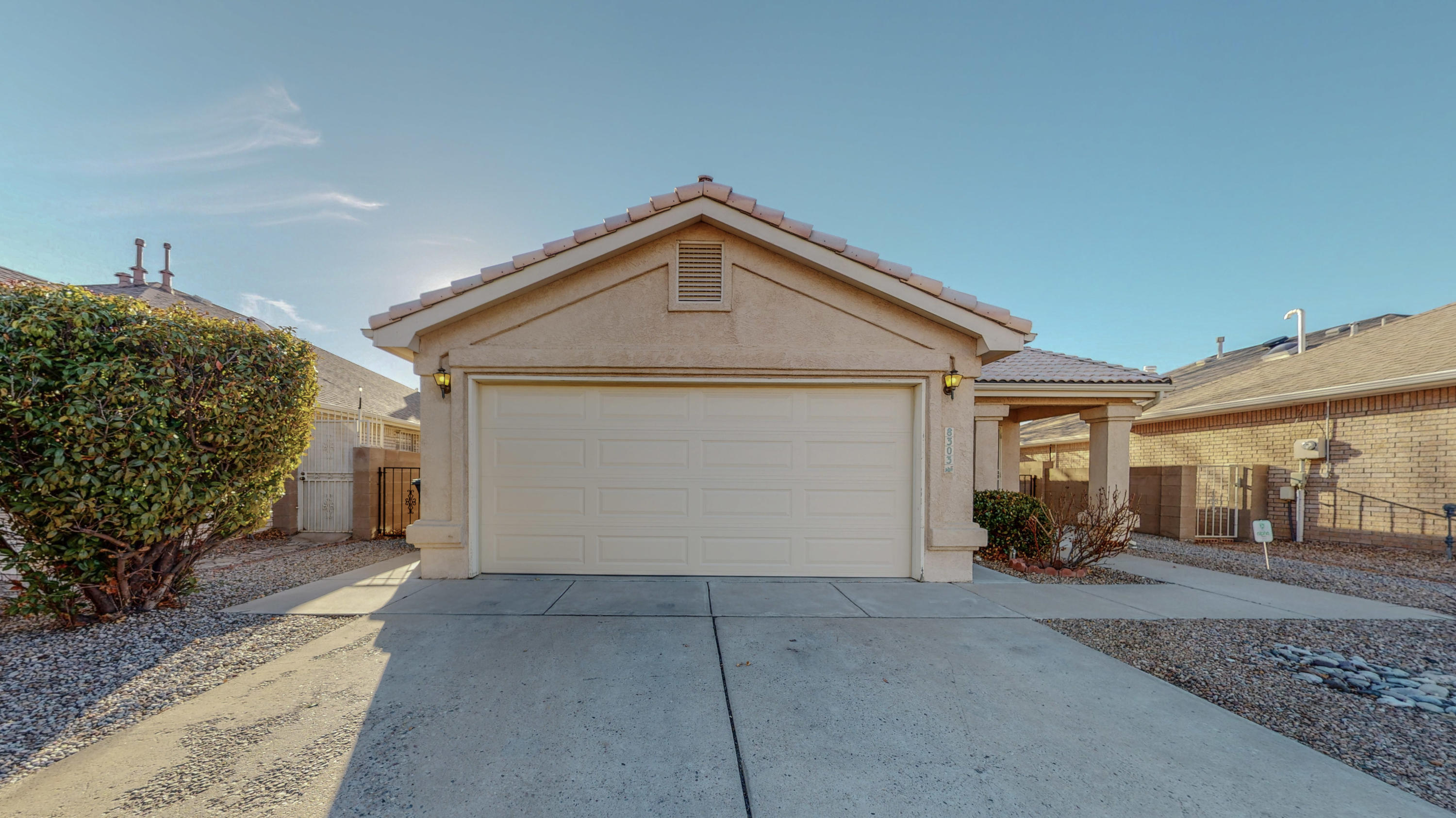 Welcome to this fantastic single story home ready for immediate move in! This home features great natural light and an open floorplan! The bedrooms are very spacious and the backyard is low maintenance! This home will not be available for long now is your chance to make it yours! Call today for your own private viewing!