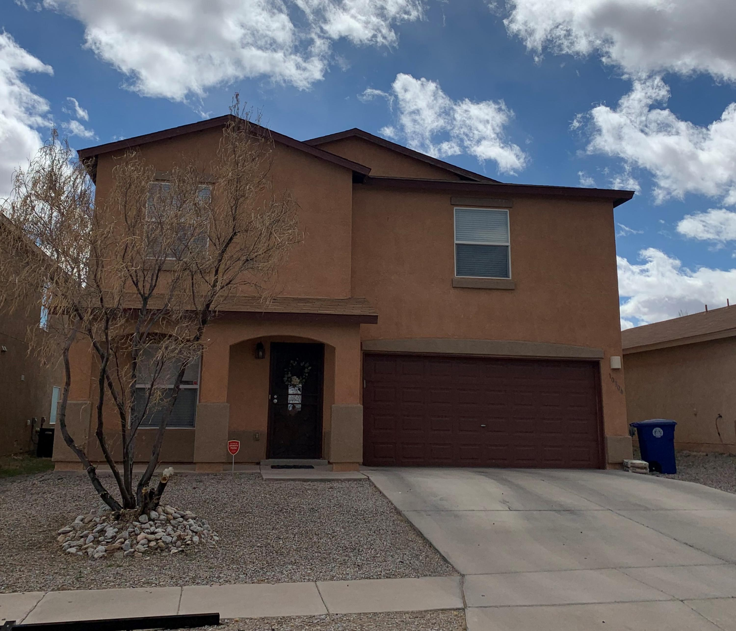 Built in 2006 This spacious Centex home offers 3 separate living areas and 4 beds.  Look no further.  Refrigerated AC, eat in Kitchen with 2.5 baths .