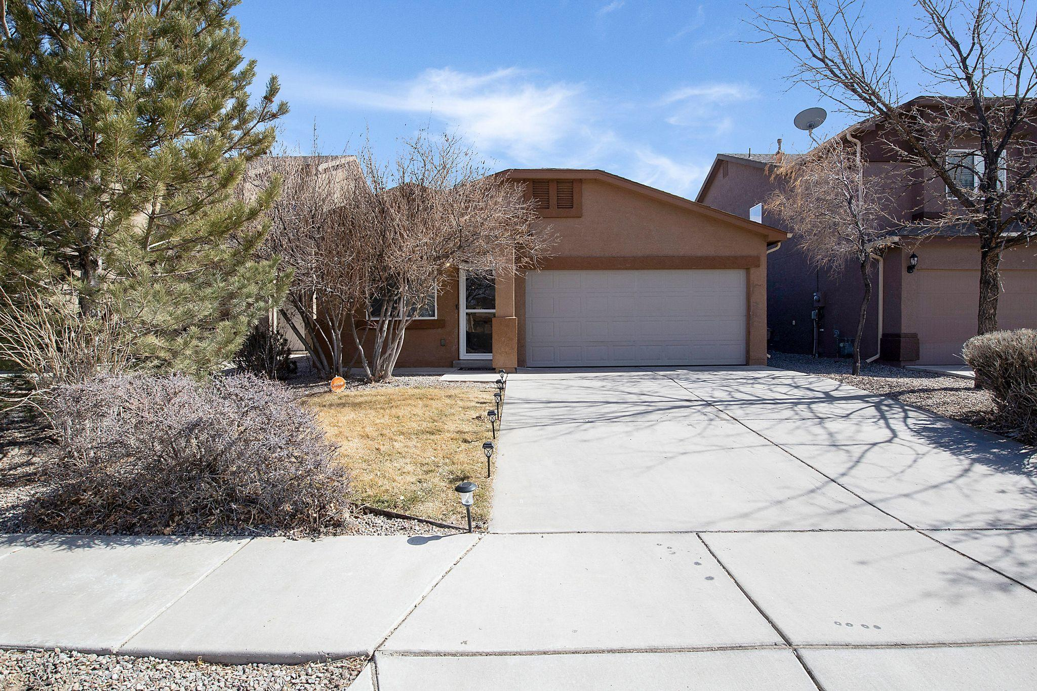 Don't miss out on this adorable home in the Northern Meadows neighborhood. This home is close to parks, playgrounds, basketball courts and trails. Great starter home with a large backyard.
