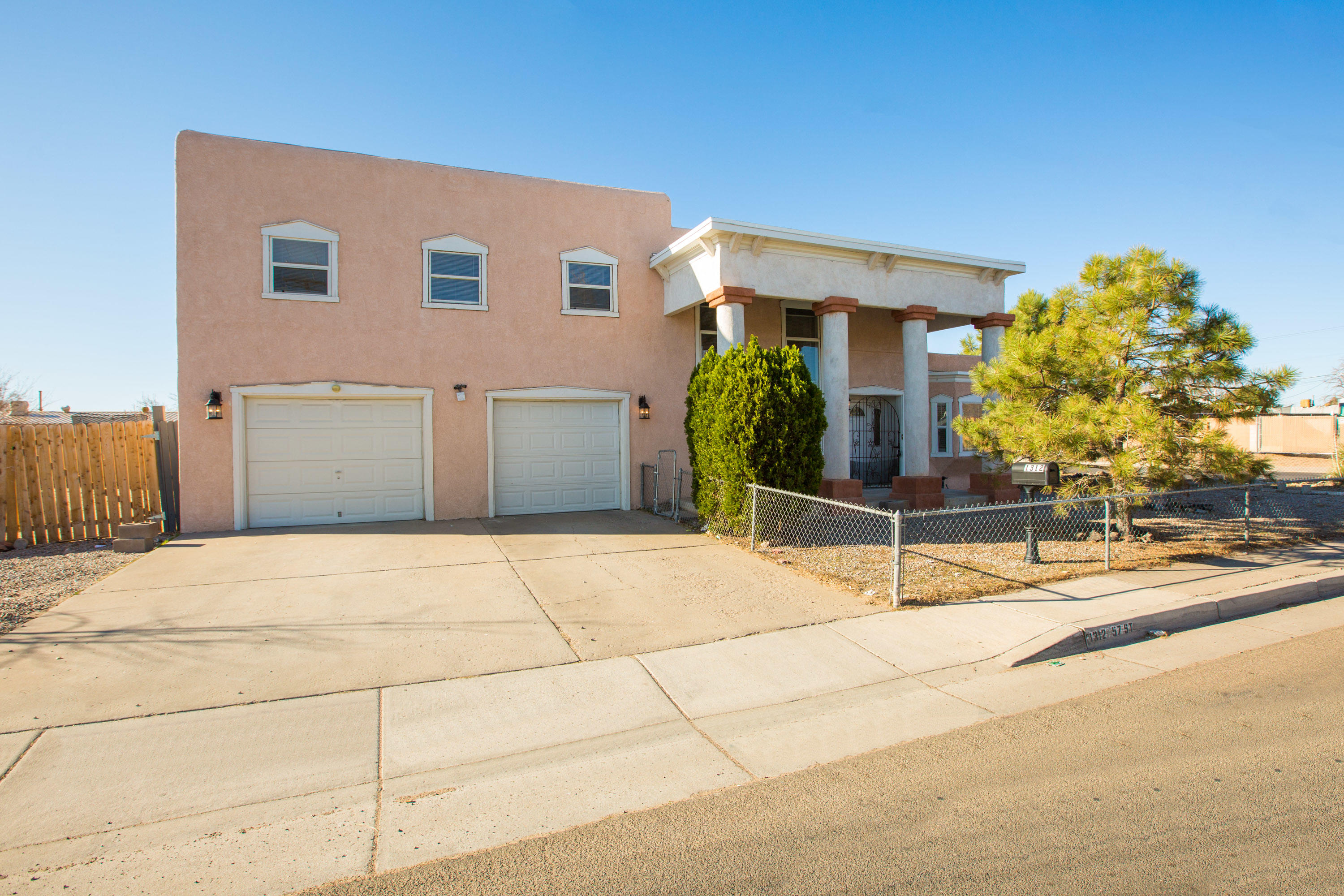 Great opportunity to own this house near freeway and minutes from downtown. Home has 3 bedrooms and 2 full baths. There's an upstairs living area with great views of the mountains