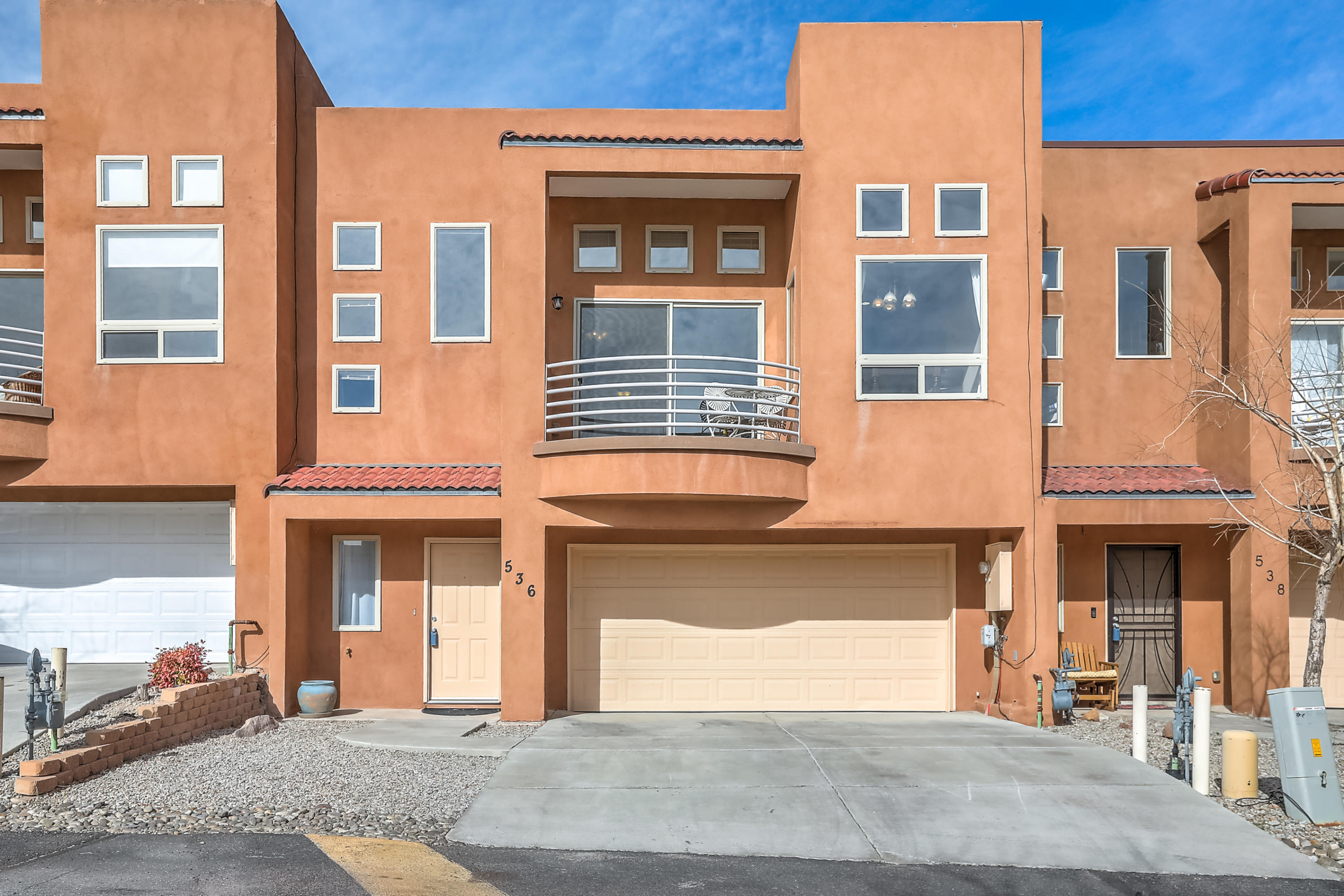 Beautiful Townhome in the Private Community of Pinon Creek!  Amazing house with wonderful views, granite countertops throughout, bamboo flooring and open floor plan.   Backyard patio for grilling and a front balcony to enjoy the views. Remodeled Master bathroom and a walk-in closet.