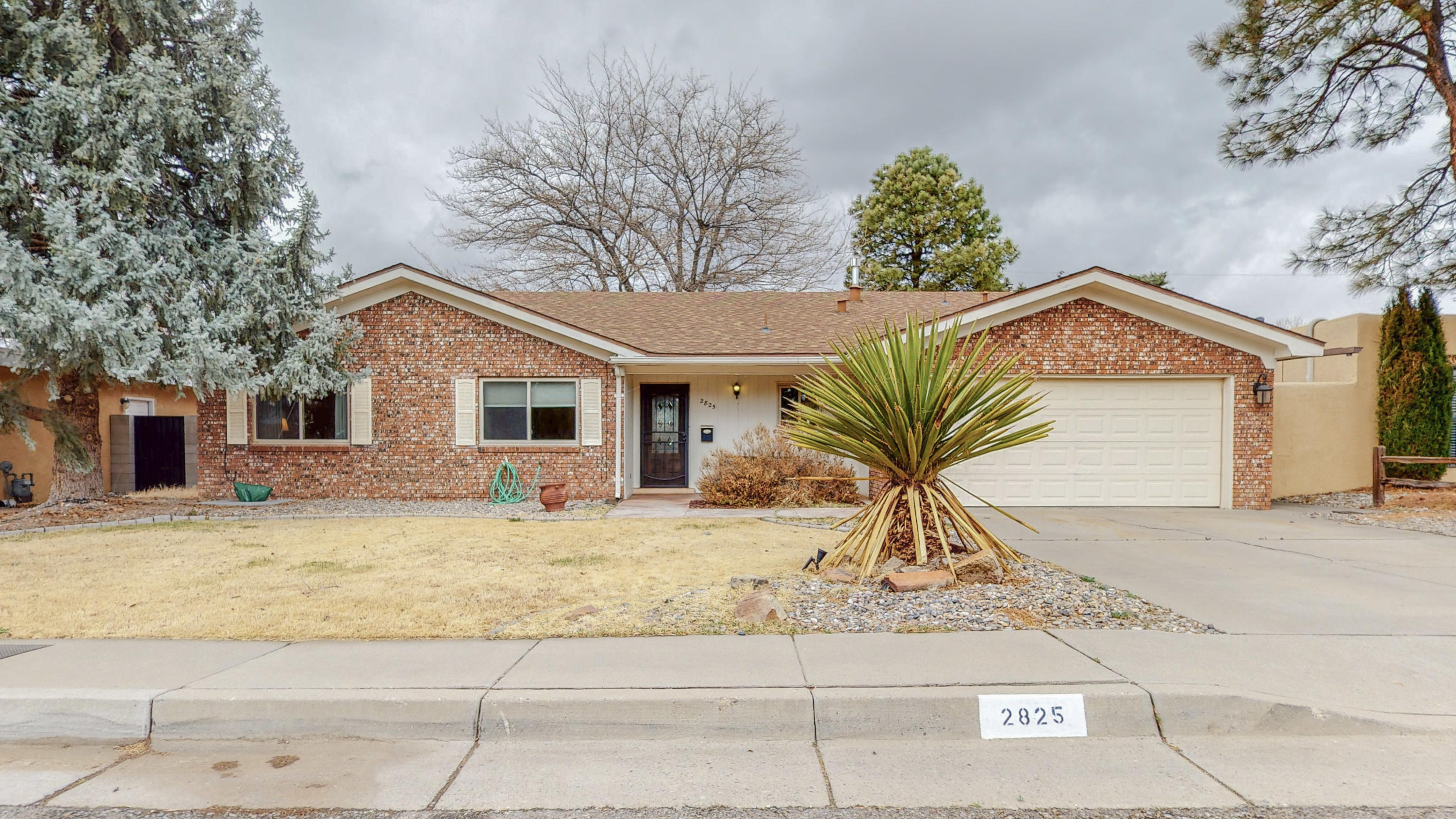 Beautifully maintained 4 Bedroom Home, 2 1/2 Bath and 2 Living Areas In the Uptown Subdivision of Vista Encantada. Spacious Living/Dining Room combo that leads in to well maintained Kitchen with room for additional seating. 2nd Living Area is the Family room that boasts a wet bar and a new pellet stove. Near library, parks, school, and shopping. All appliances and shed convey.