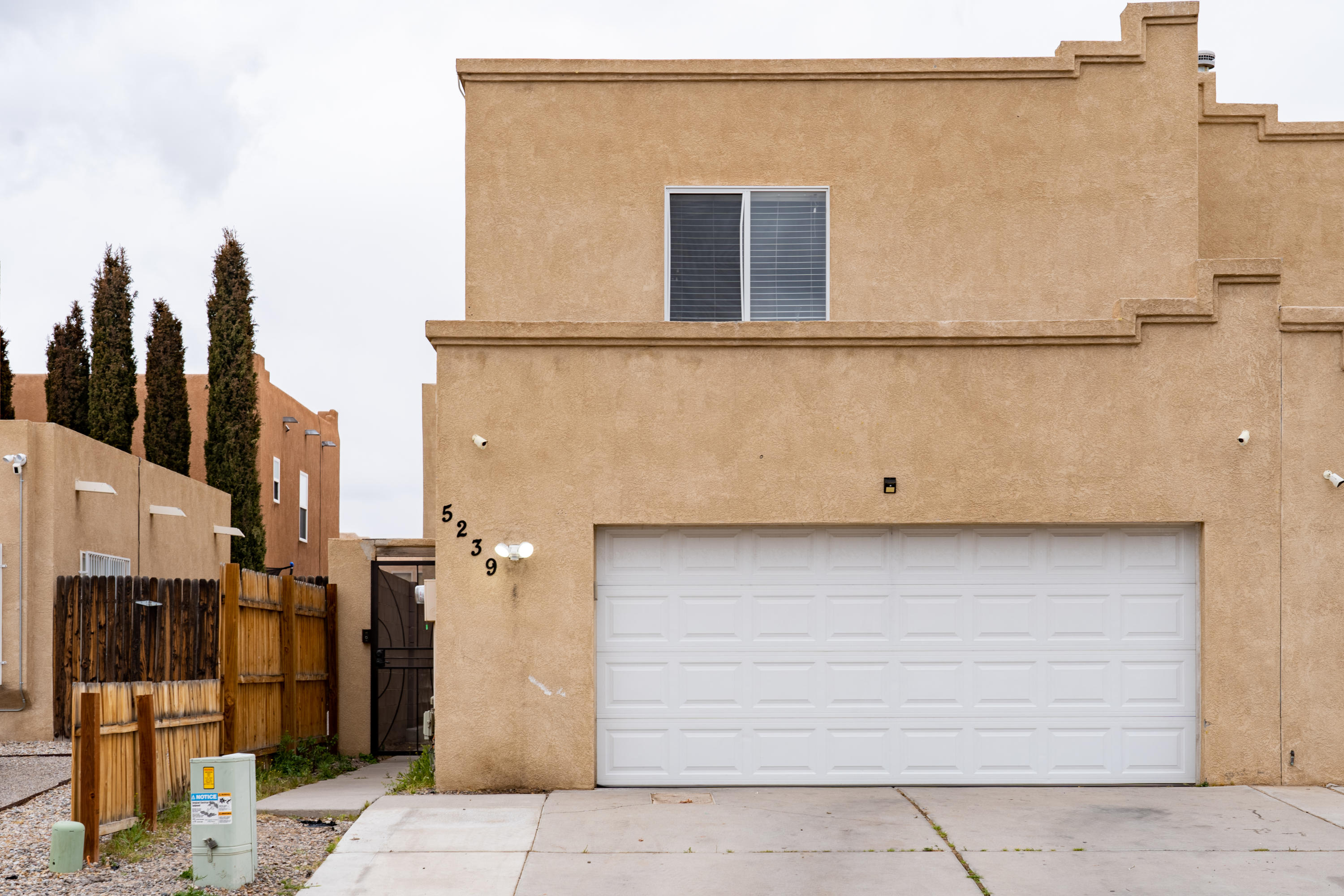 This charming townhome won't last long! Open house on Sunday (3/28) from 1-4pm! Conveniently located near stores and the freeway. Open concept and full of updates! Refrigerated air recently added to keep you cool over the summer just around the corner! All three bedrooms are upstairs with spacious bathrooms and closets! Backyard is concrete for easy maintenance and entertaining.