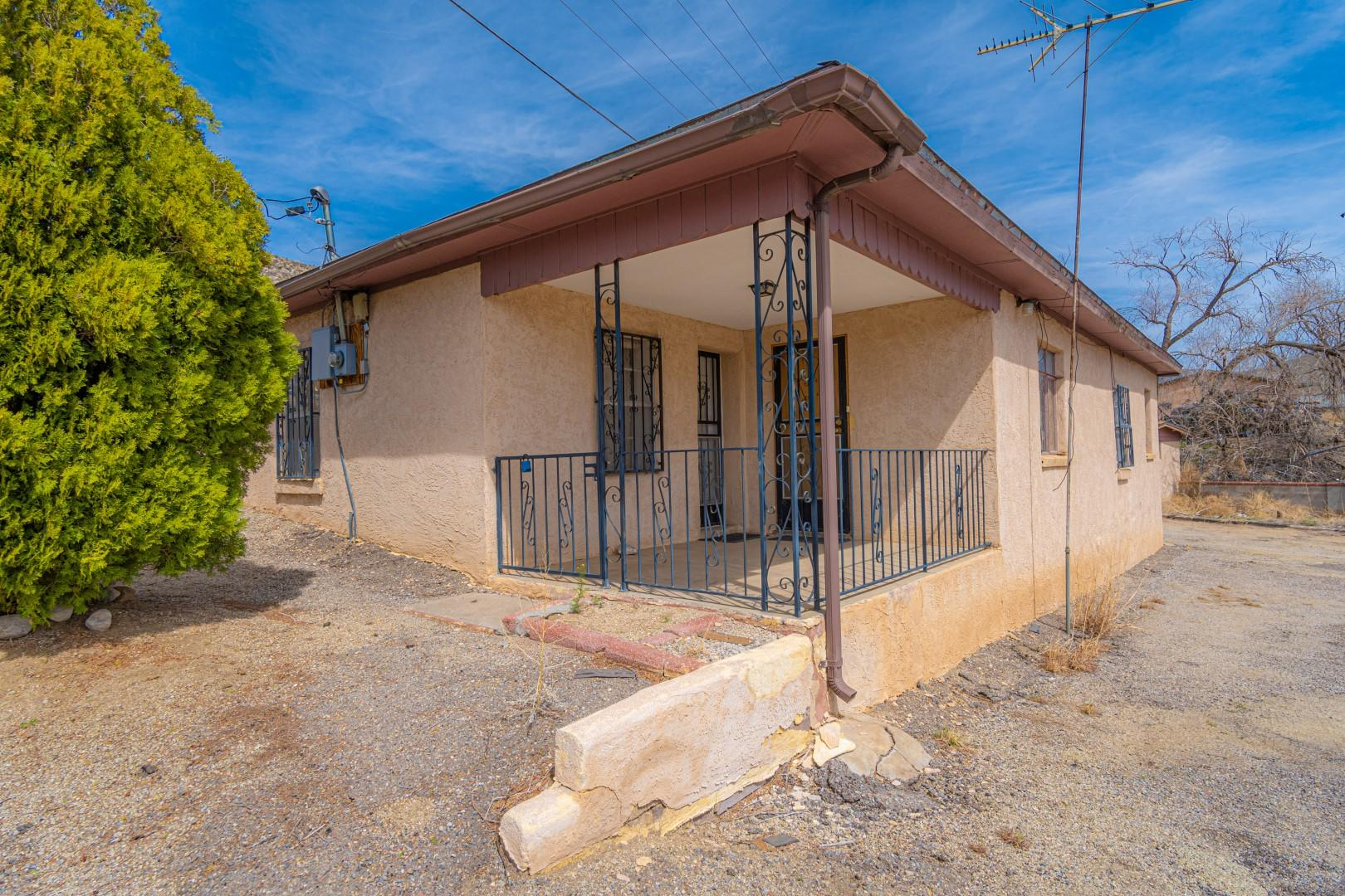 Beautiful location in Carnuel .  3 bedroom home just minutes down Interstate Hwy 40 from Albuquerque.  Detached garage/workshop/storage shed.  Home is sold ''As-Is''.