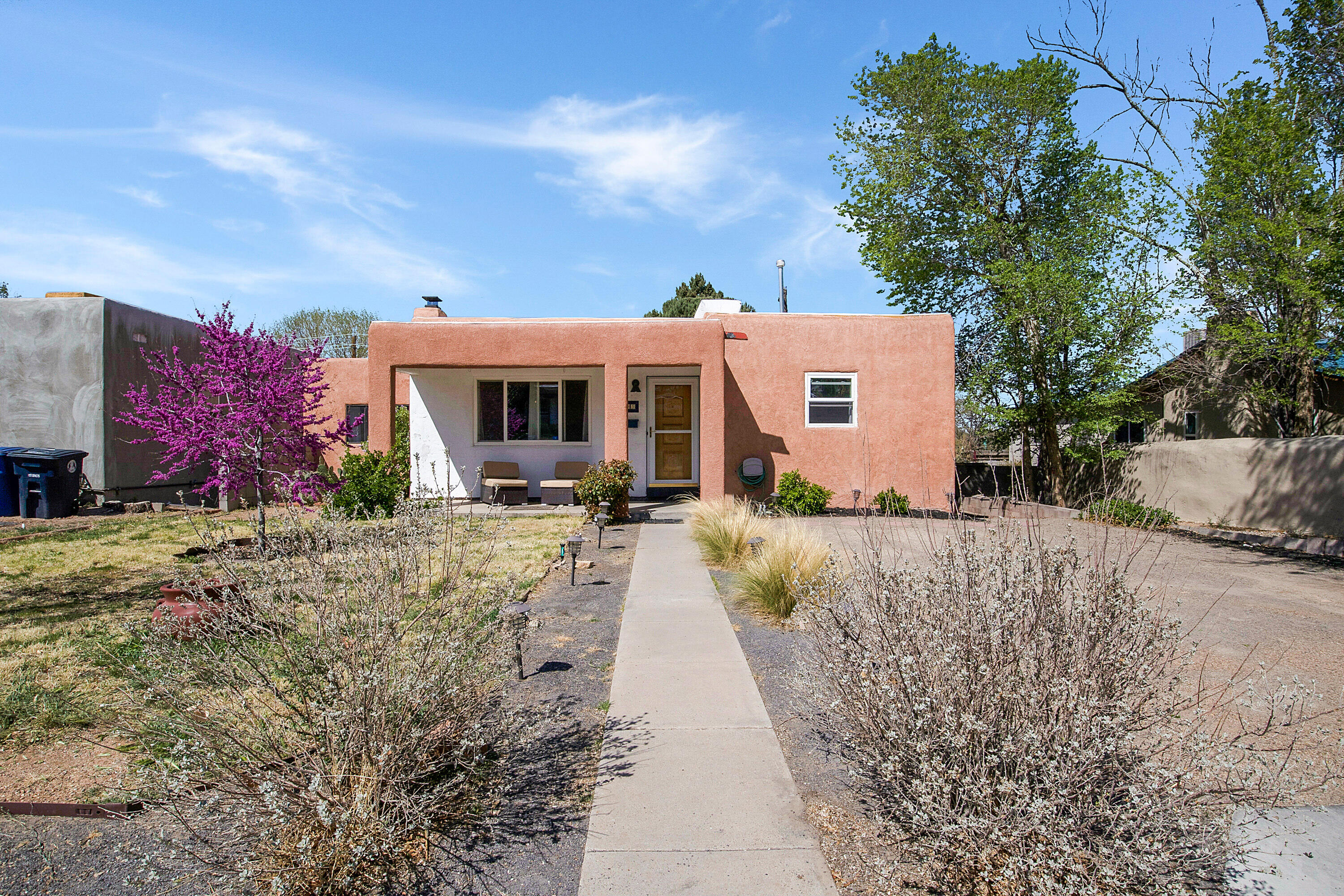 Come see this Charming UNM home it has Quartz Counters, 12'' x 24'' Porcelain Tile, Stainless Appliances, Rich Hardwood Floors, Ceiling Fans, Roof Replaced 2019, Vinyl Thermal Windows. All this and Close to UNM, Hyder Park, Hospitals, Airport and Sports Facilities! Home has stand up crawlspace and Private Backyard!